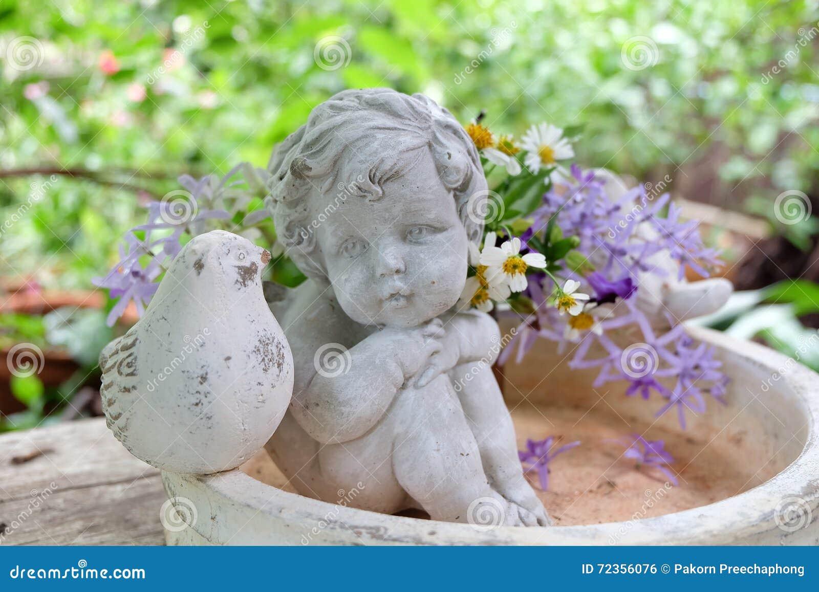 丘比特和花