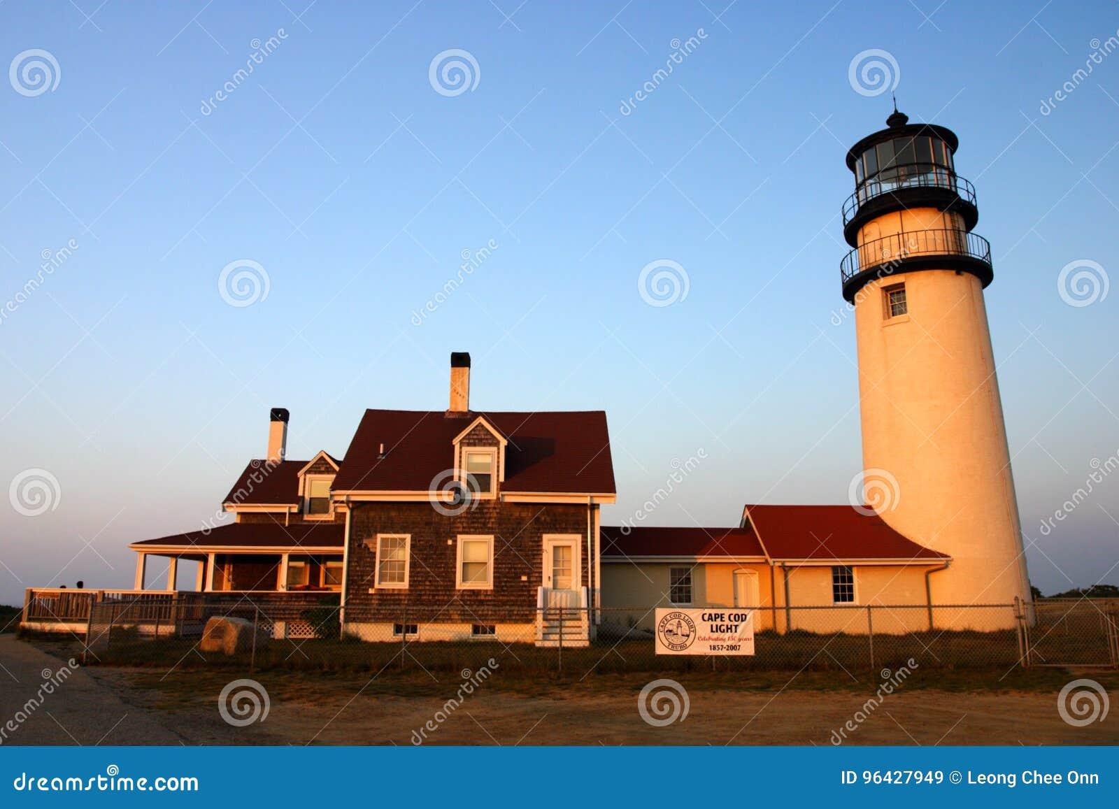 1816个烽火台鳕鱼被设立的第一座有历史的轻的灯塔马萨诸塞一个点种族转动的rubblestone第三个塔是