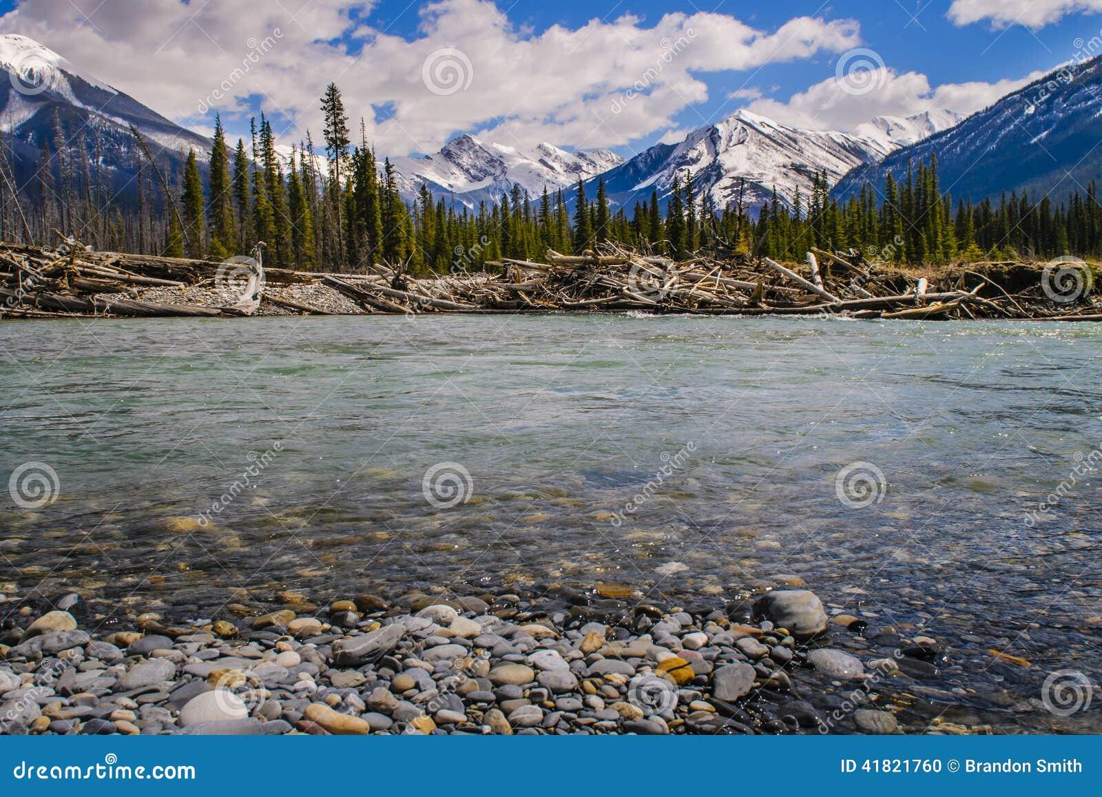 3个hdr图象山全景河垂直