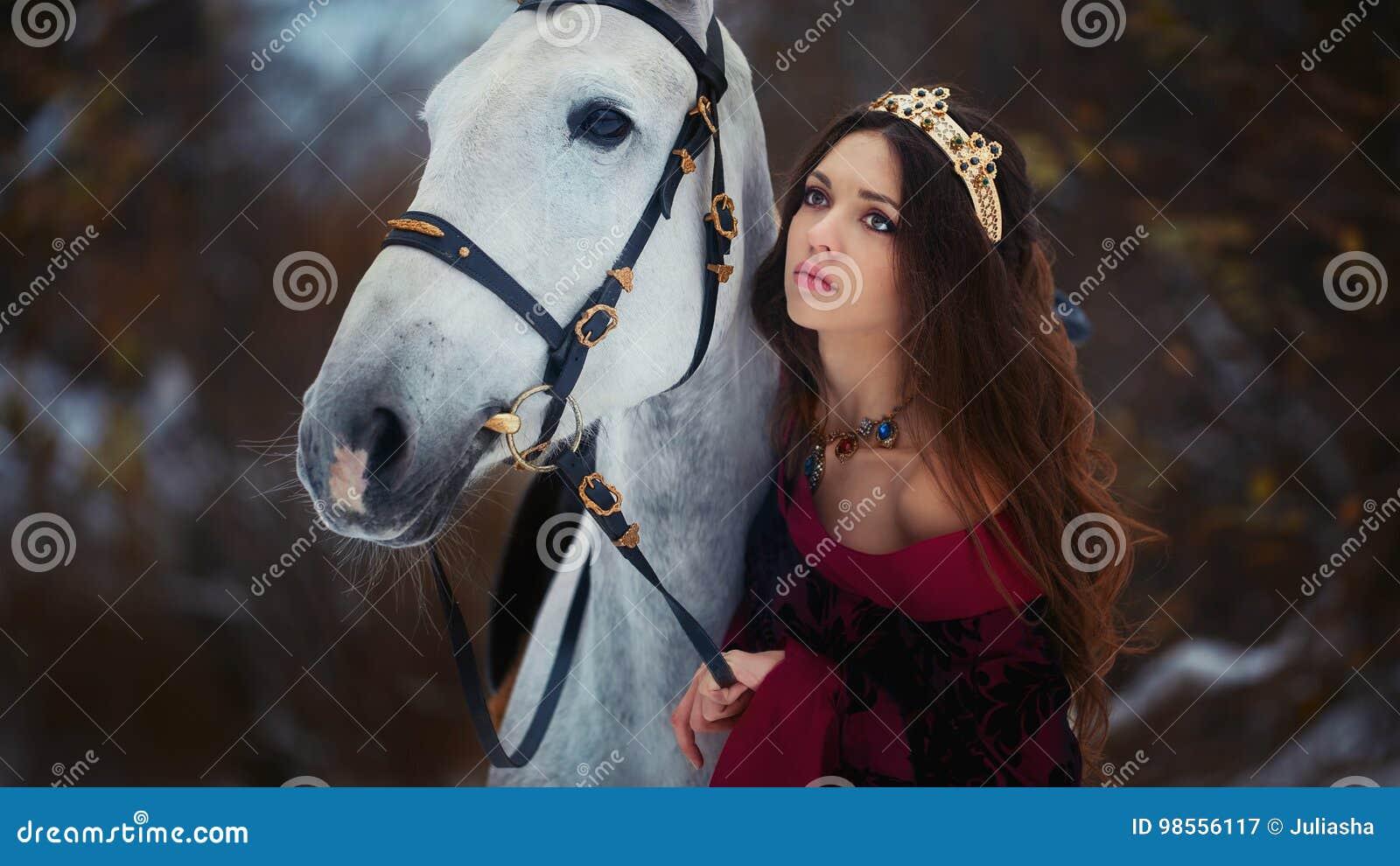 中世纪女王/王后画象