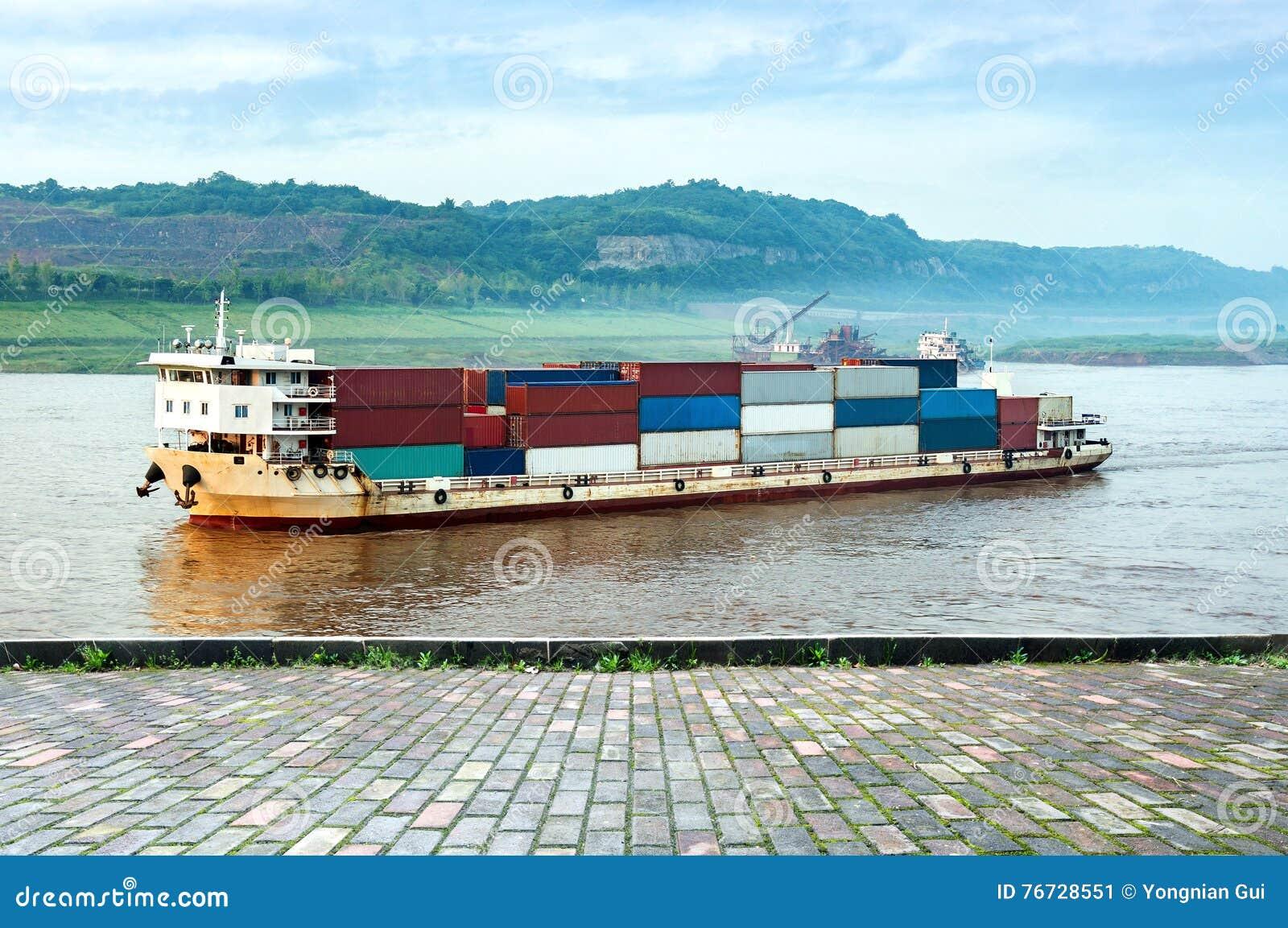 中国和长江货船
