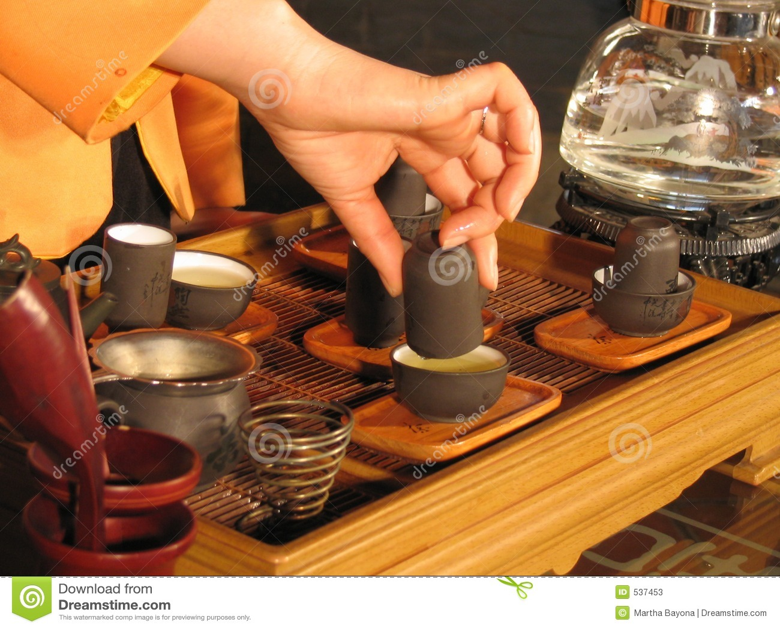 Download 中国茶 库存图片. 图片 包括有 杯子, 碗筷, 阿诺德, 注入, 汉语, 手指, 草本, 饮料, 健康, 聚会所 - 537453