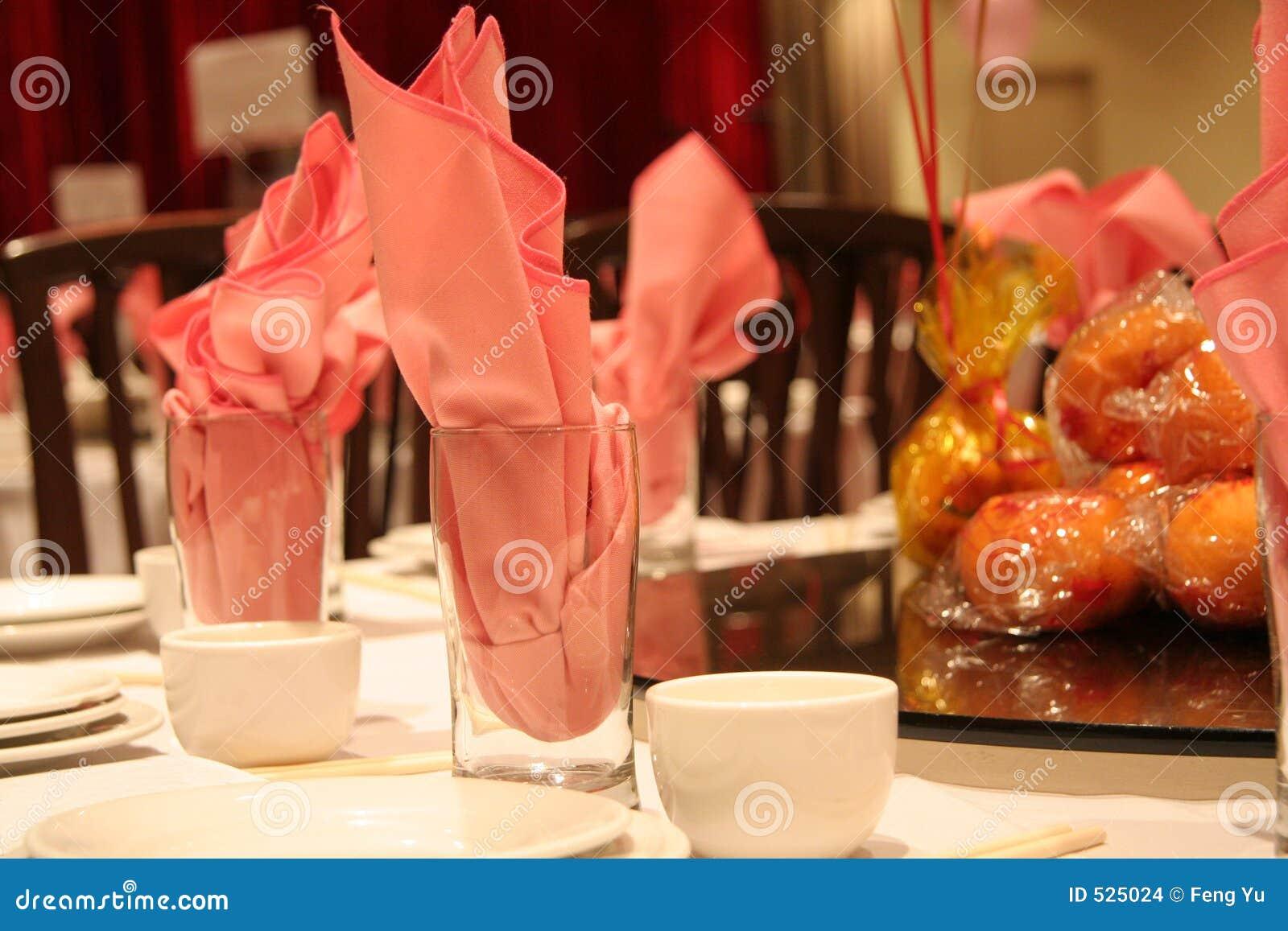 Download 中国餐馆 库存照片. 图片 包括有 设置, 餐馆, 汉语, 橙色, 玻璃, 粉红色, 牌照, 午餐, 筷子, 服务 - 525024