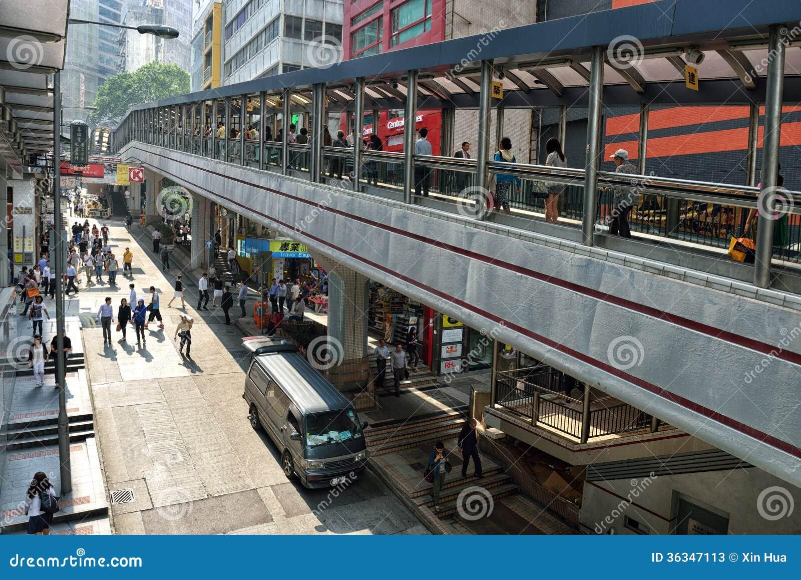 中央中间级自动扶梯在香港
