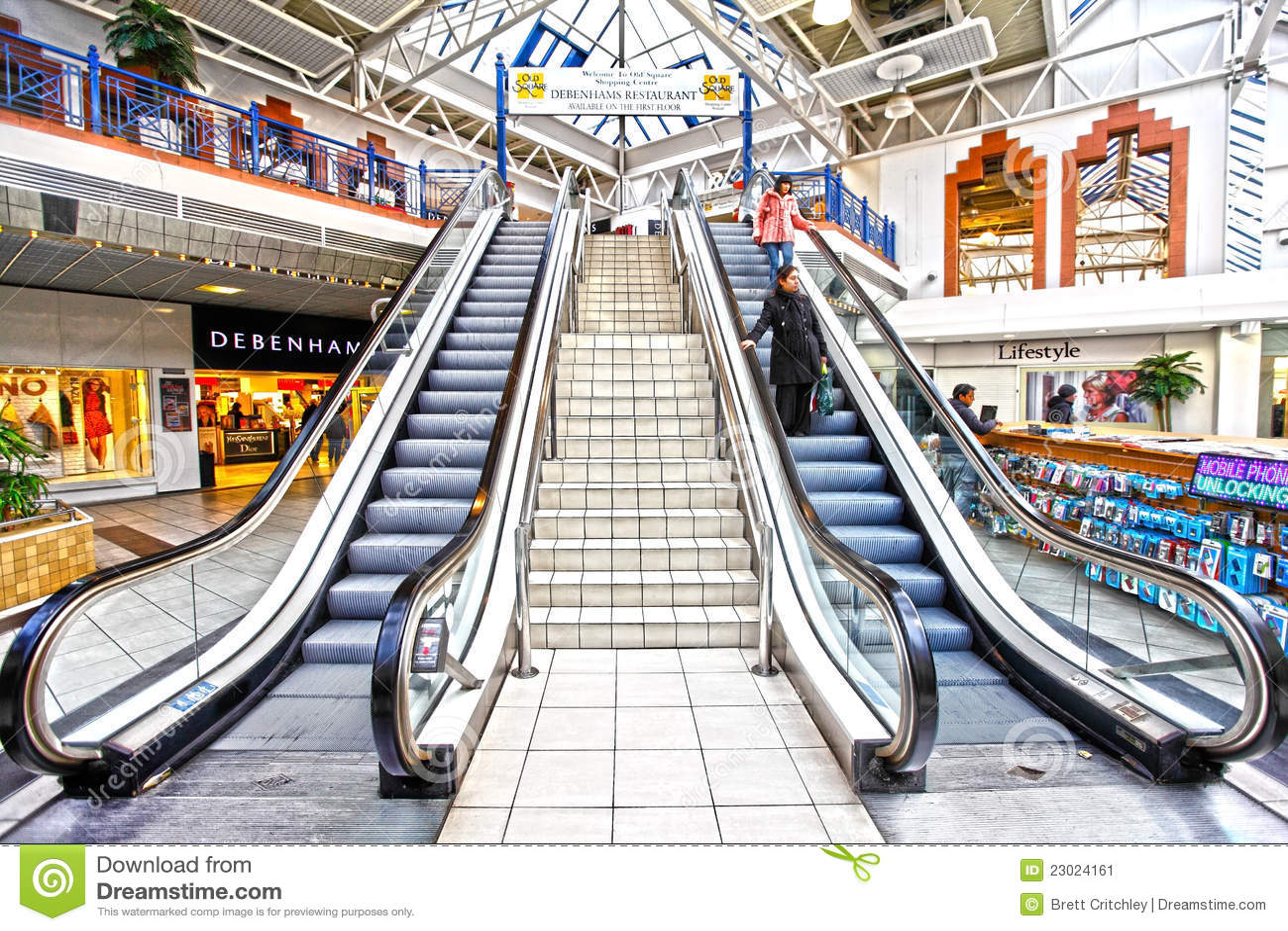 中心自动扶梯零售购物