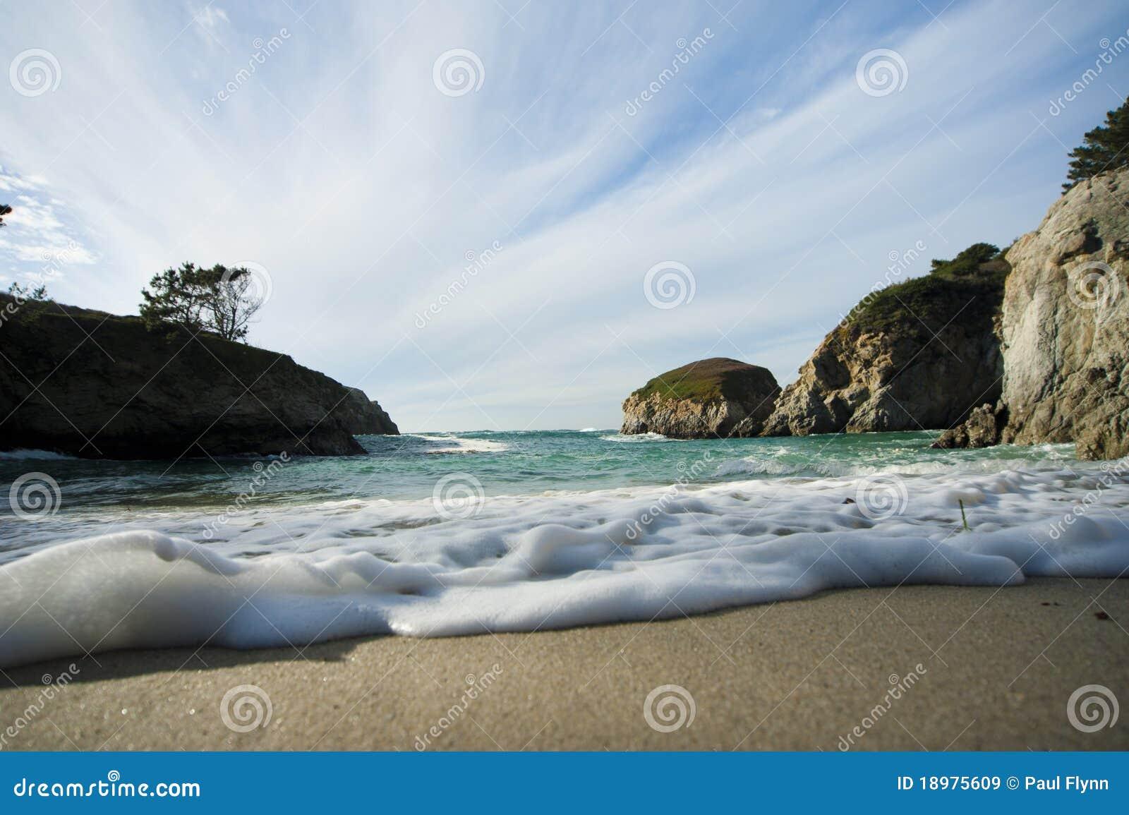 中断含沙通知的海滩
