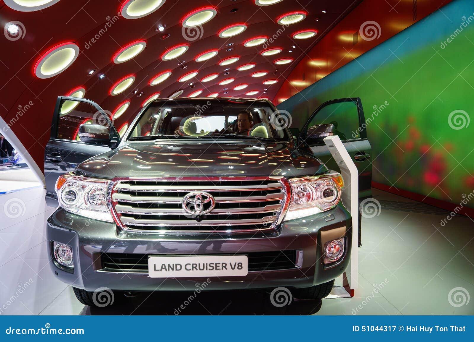 丰田兰德酷路泽V-8,汽车展示会吉恩威2015年