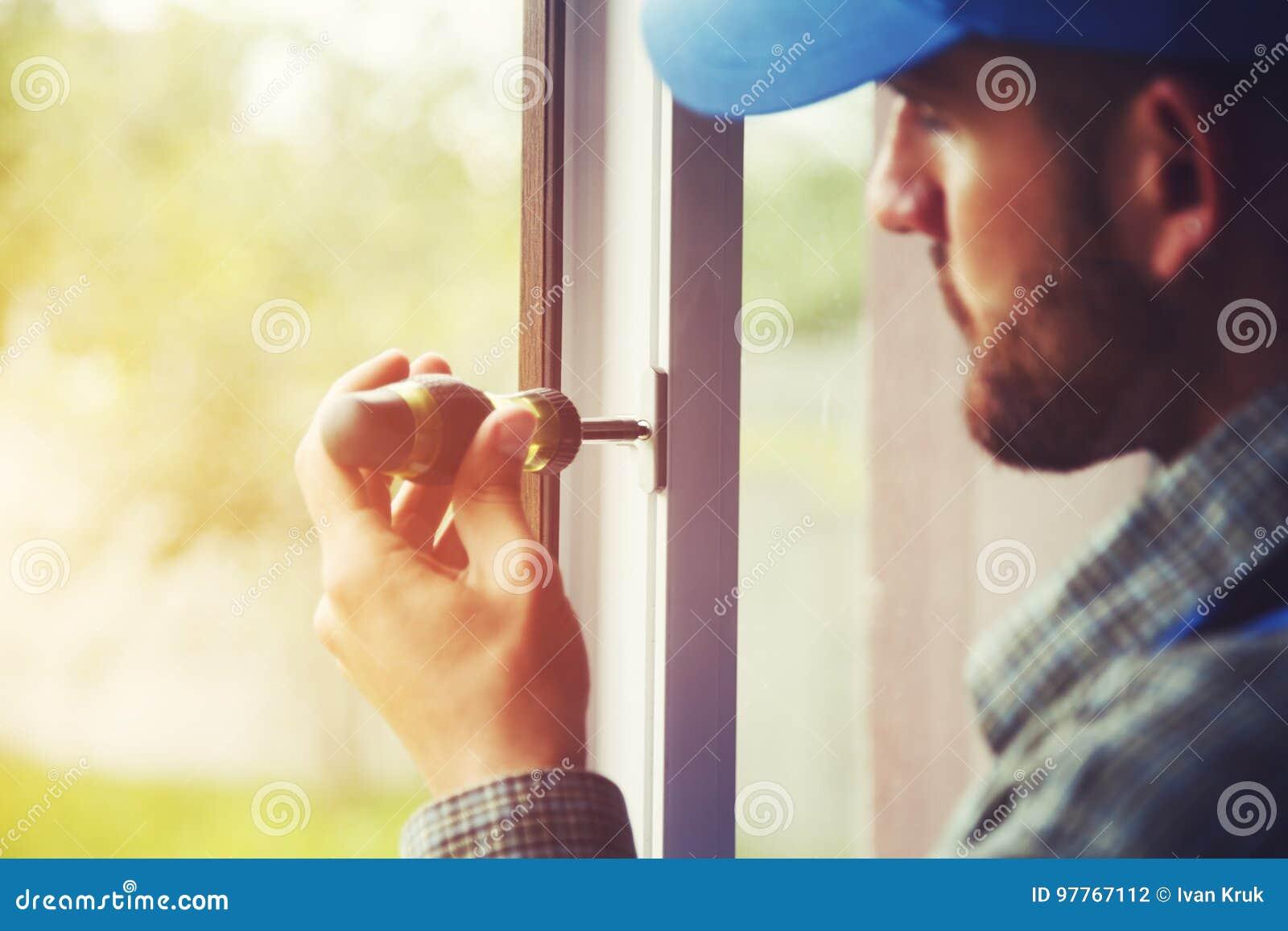 为安装窗口的人服务