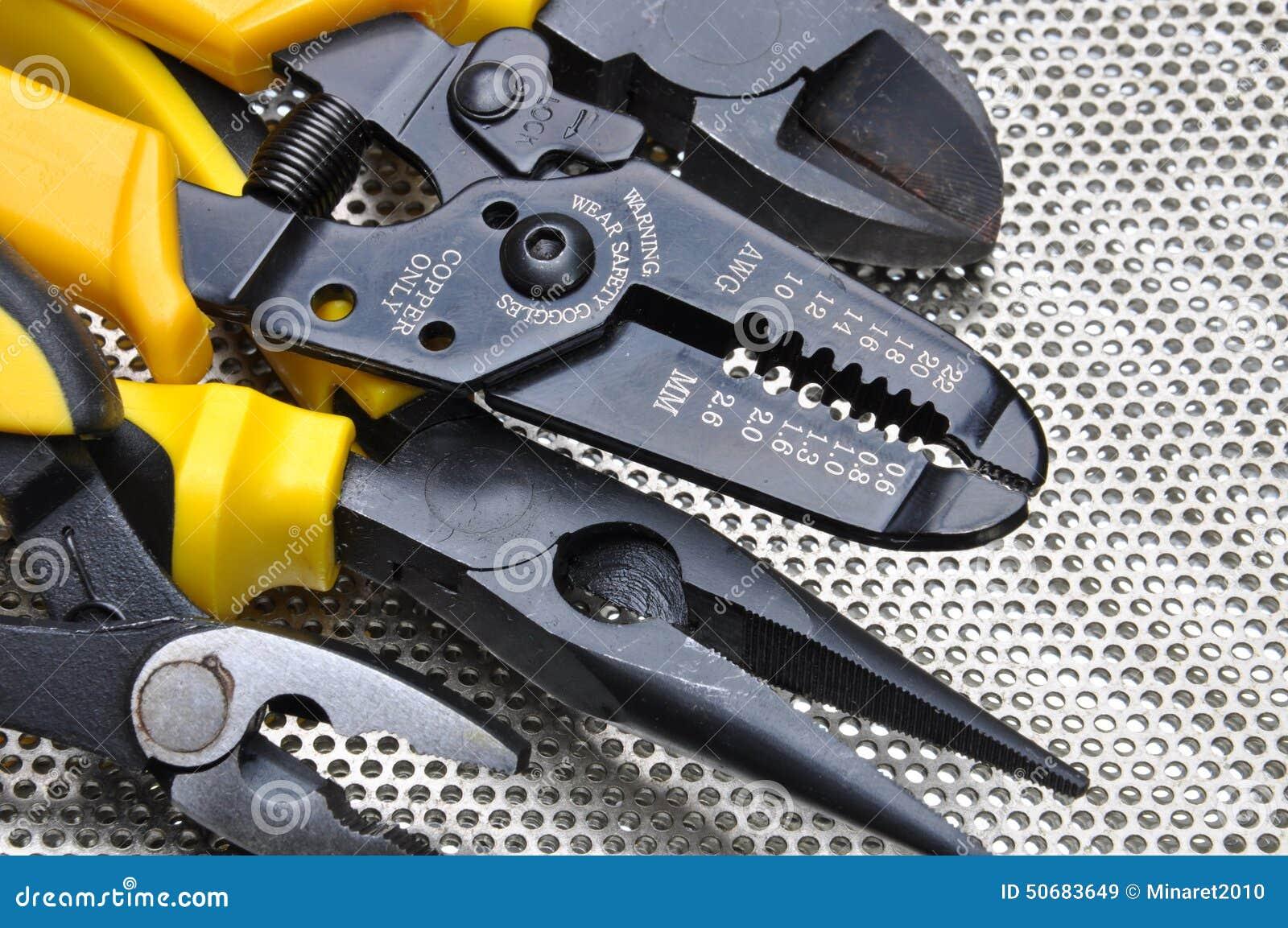 Download 为电子设施的工具 库存图片. 图片 包括有 维修服务, 颜色, 手工, 关闭, 工具箱, 技术, teched的 - 50683649