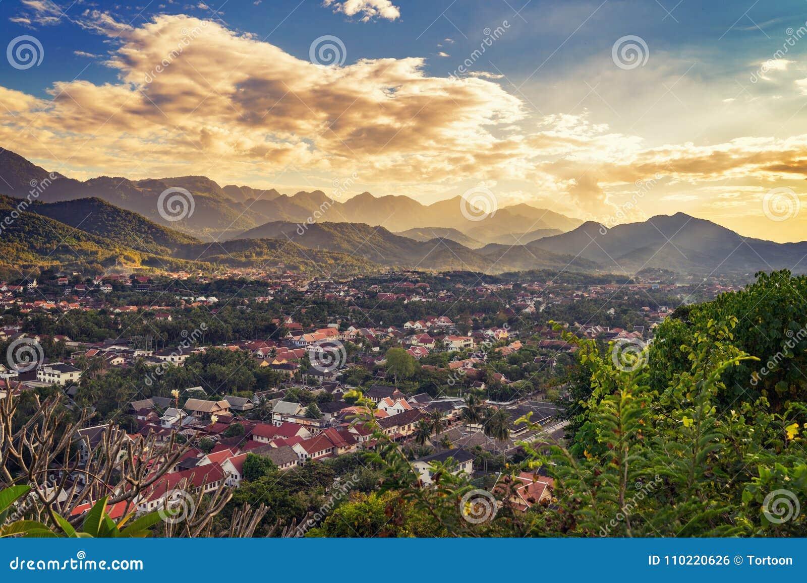 为观点环境美化在日落在琅勃拉邦,老挝
