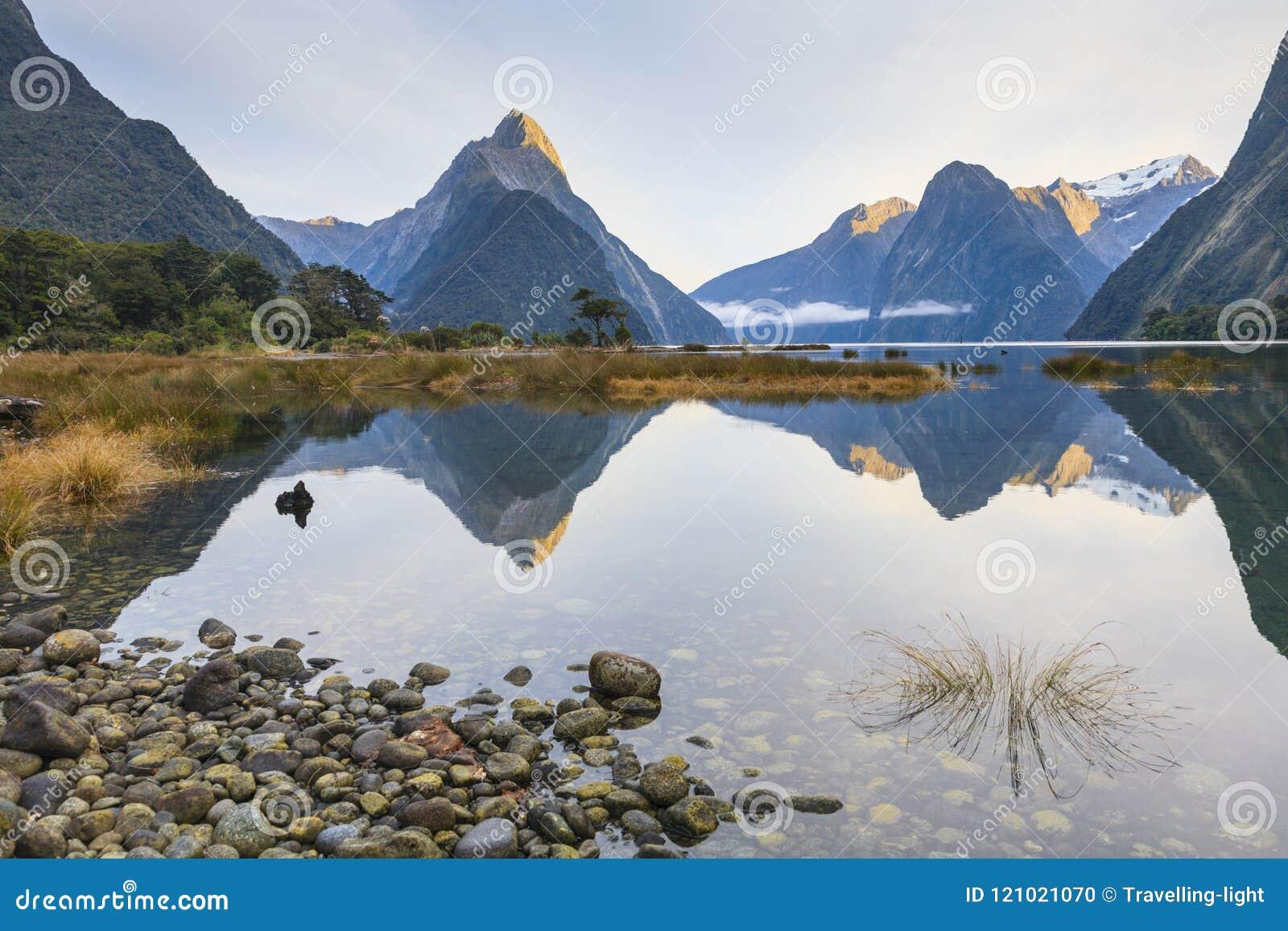 主教峰顶, Milford Sound, Fiordland,早Morni的新西兰