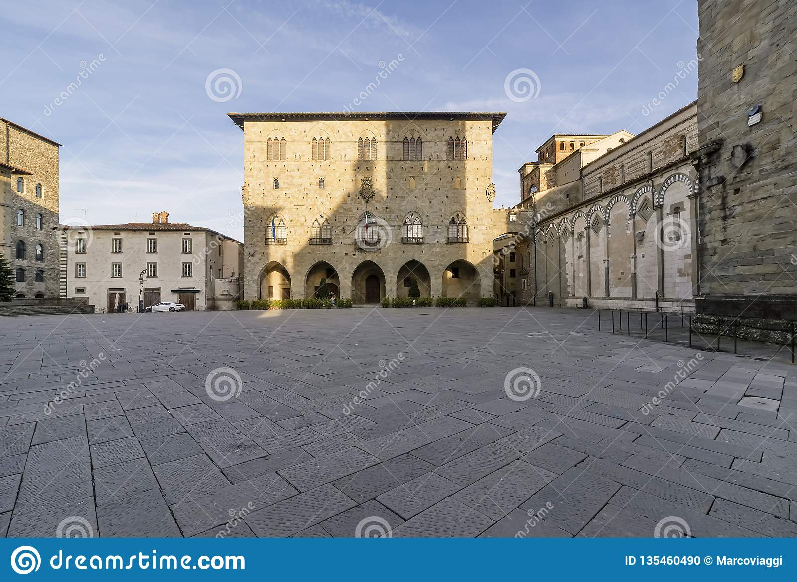 主教座堂广场在皮斯托亚和Palazzo没有人,托斯卡纳,意大利的del Comune