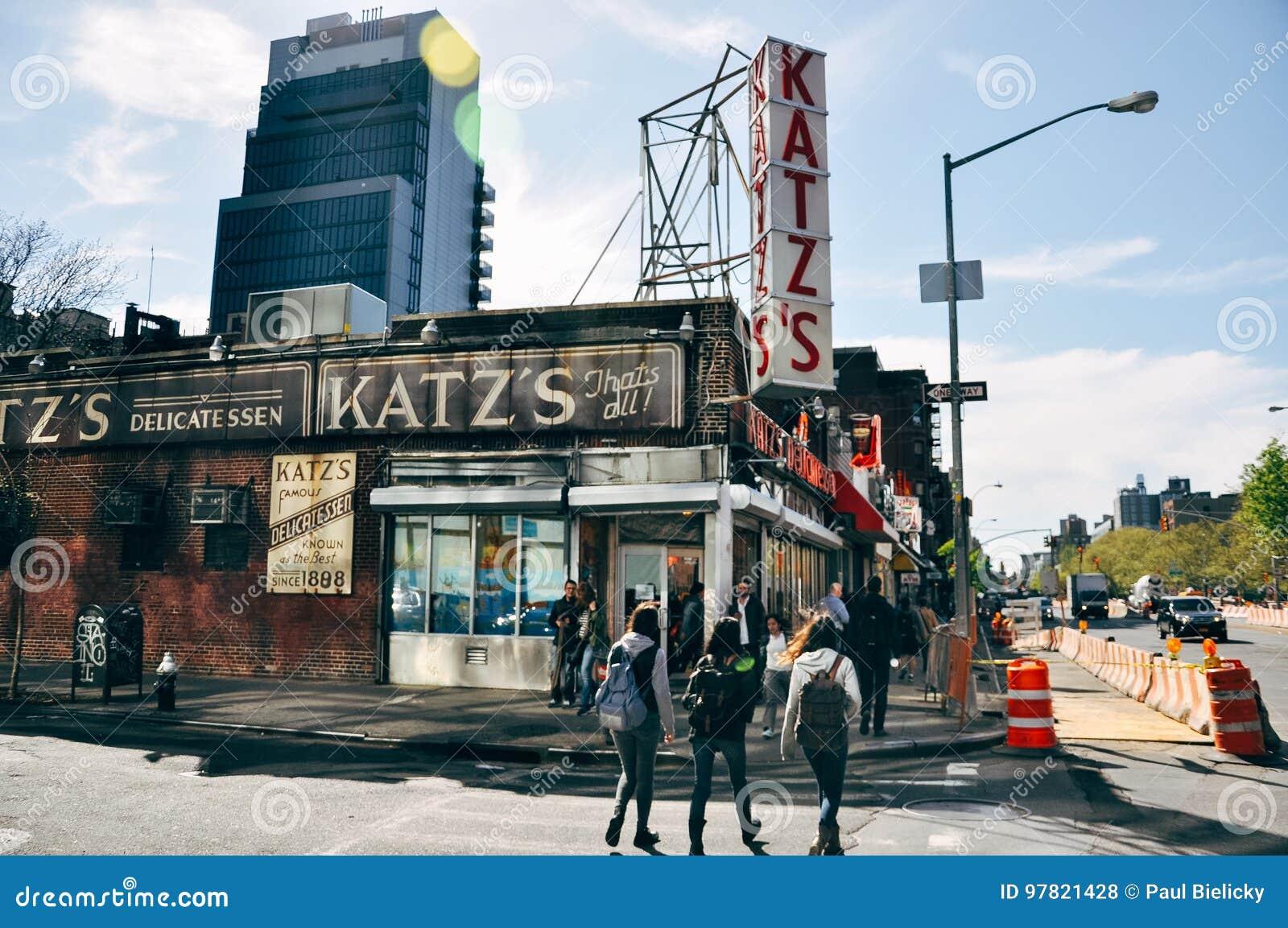 举世闻名的卡茨` s熟食店在曼哈顿