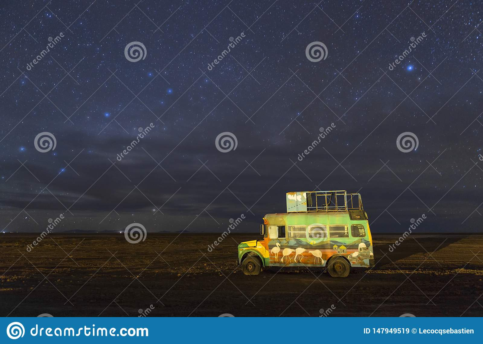 乌尤尼盐沼盐平的夜空,玻利维亚