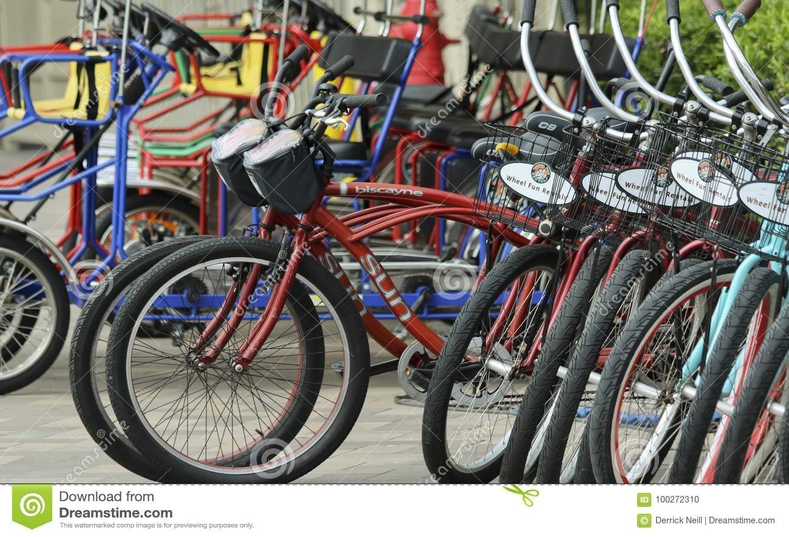 乐趣自行车出租立场、万豪候爵和小游艇船坞轮子
