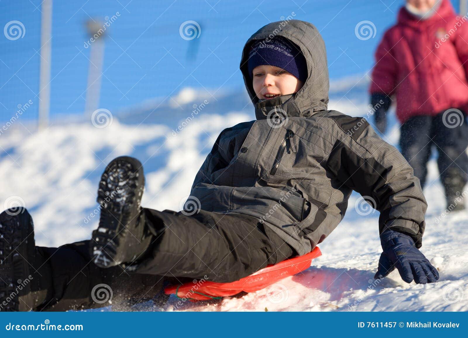 乐趣高sledding的速度