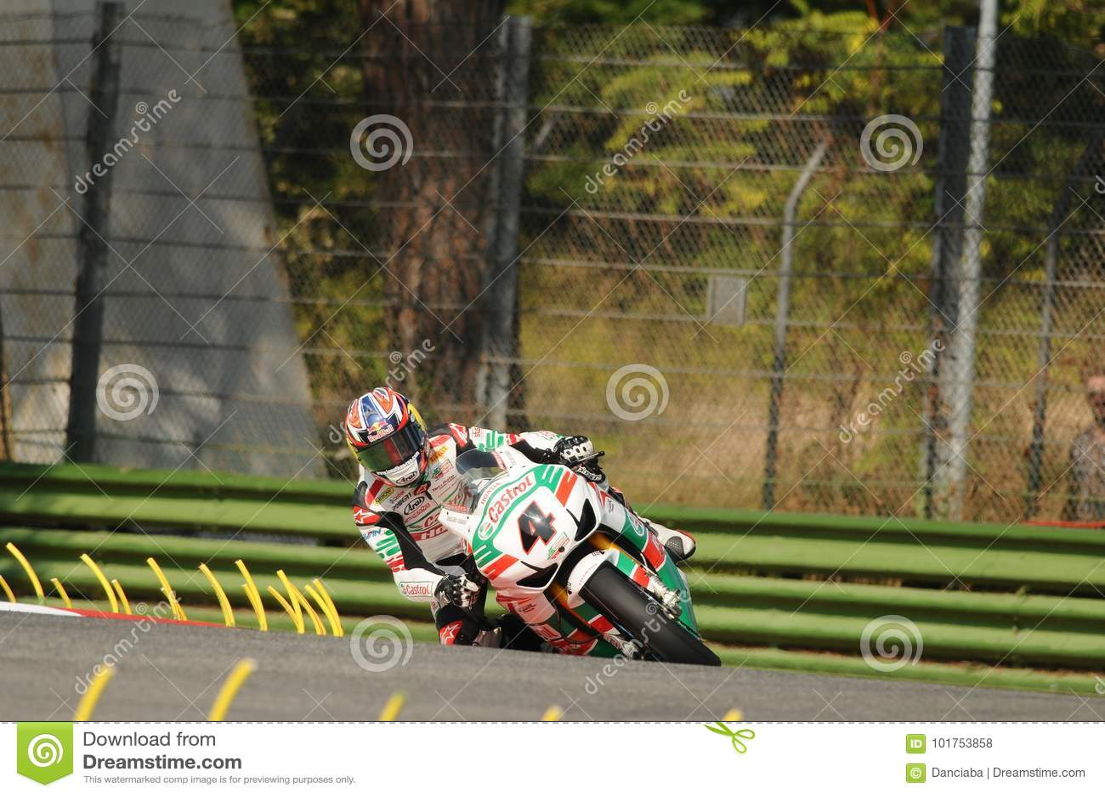 乔纳森Rea GBR本田CBR1000RR在行动的Castrol本田在伊莫拉电路的超级摩托车实践期间