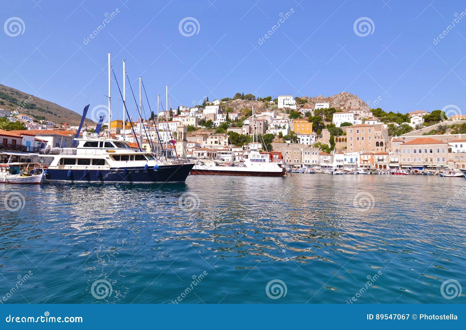 九头蛇口岸Saronic海湾希腊风景