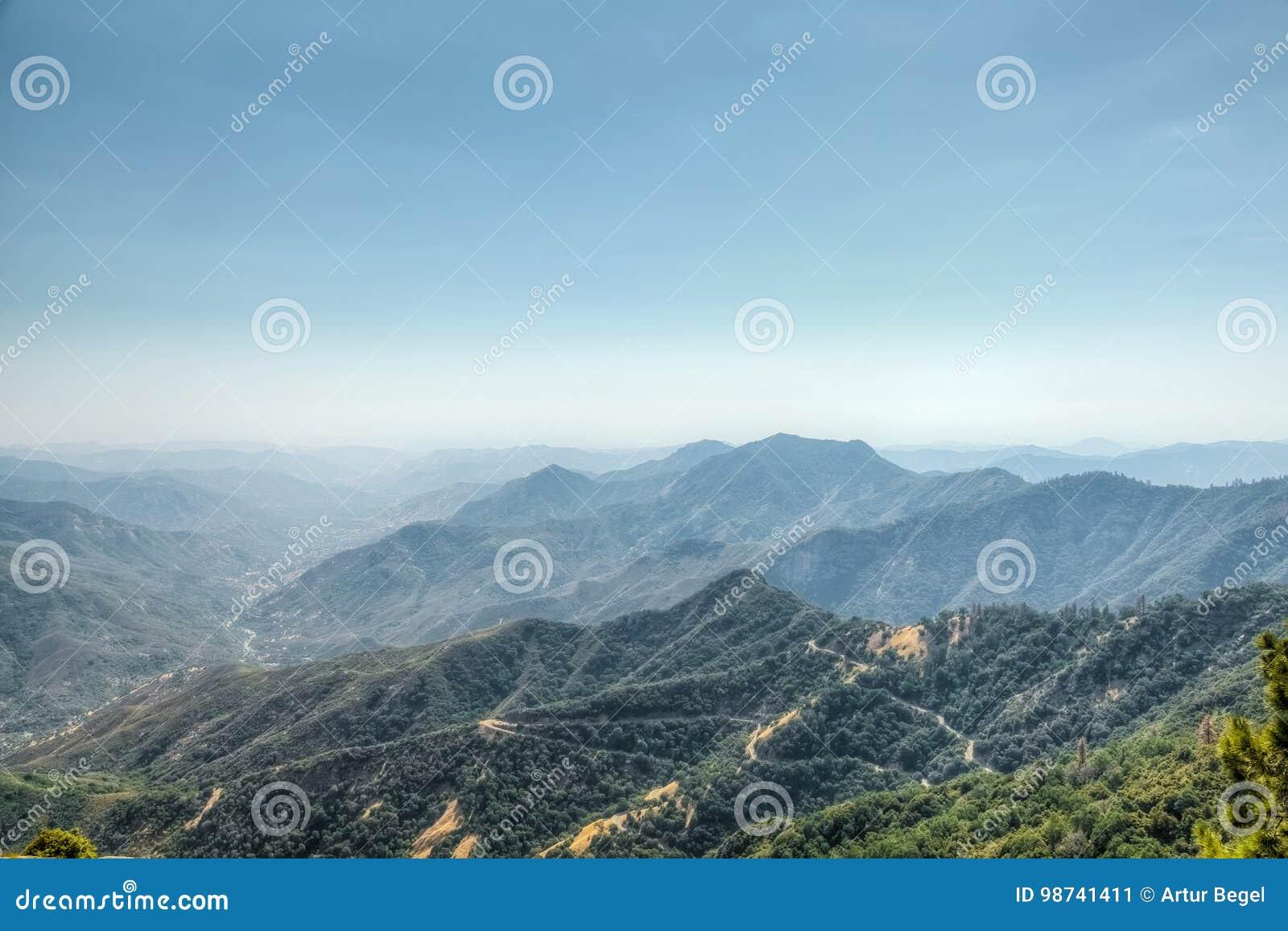 也区加利福尼亚峡谷圆顶森林查找了巨型花岗岩国王大莫罗国家公园岩石美国加州红杉视图