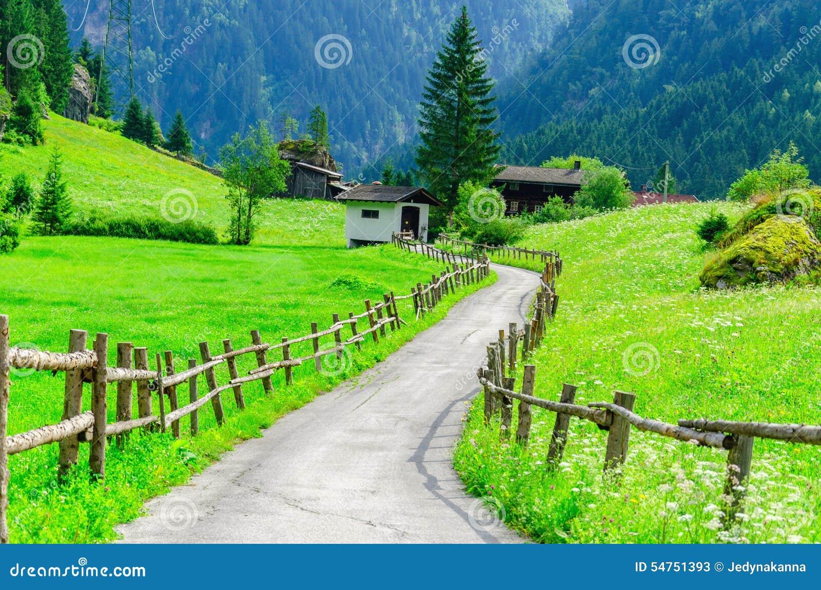 乡下公路和阿尔卑斯,奥地利的高山