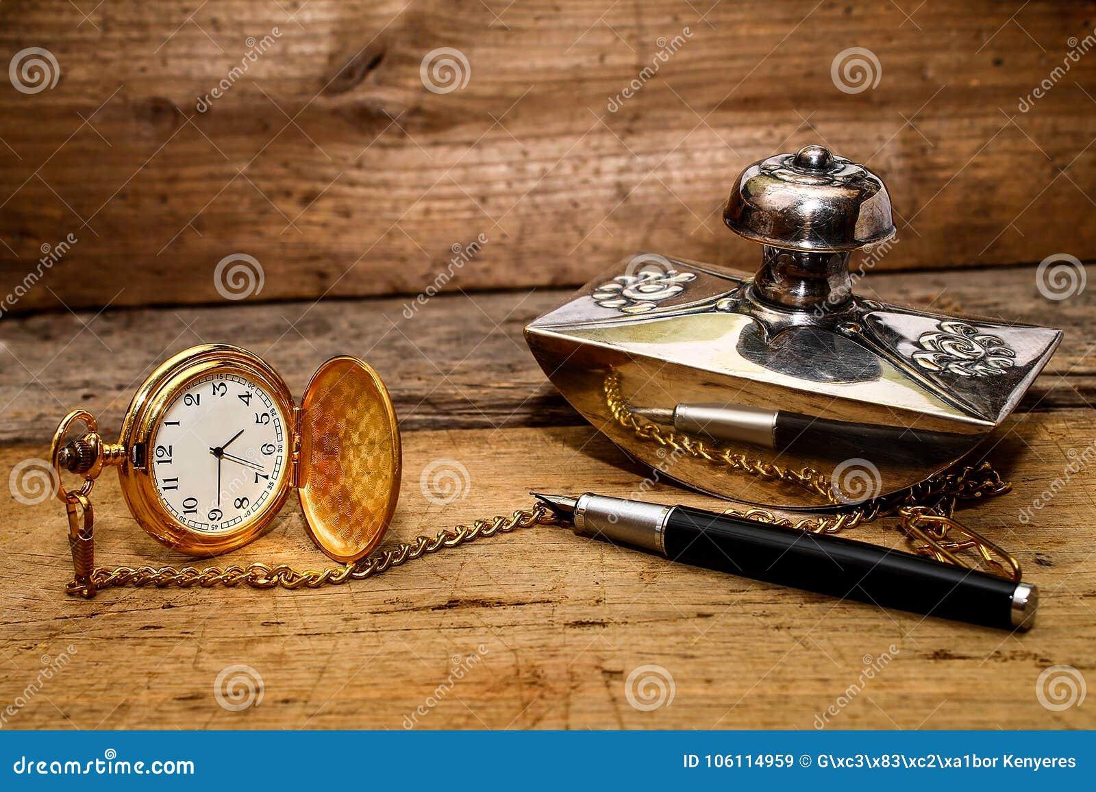 乡情-手表和笔