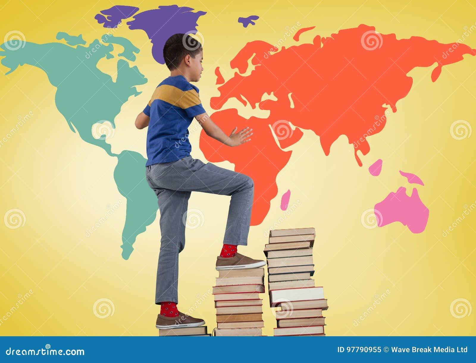 书男小学生上升的塔在五颜六色的世界地图前面的