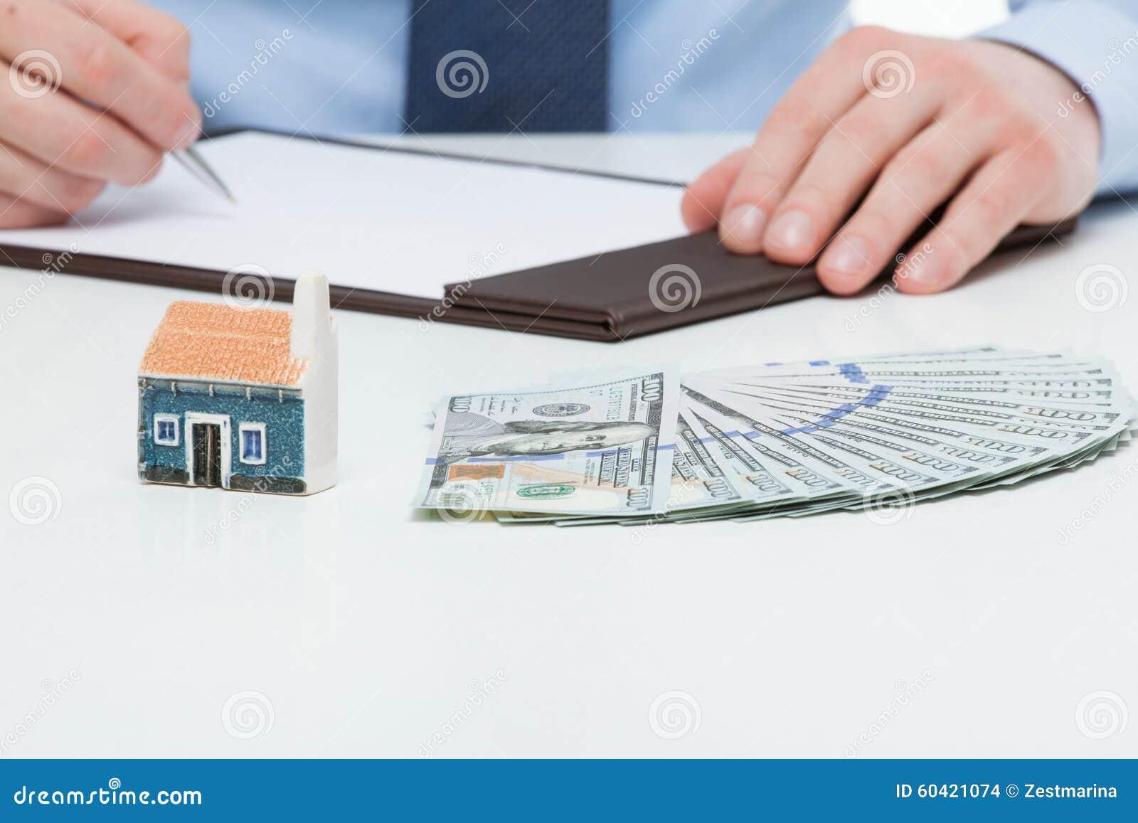 买一个新房的商人
