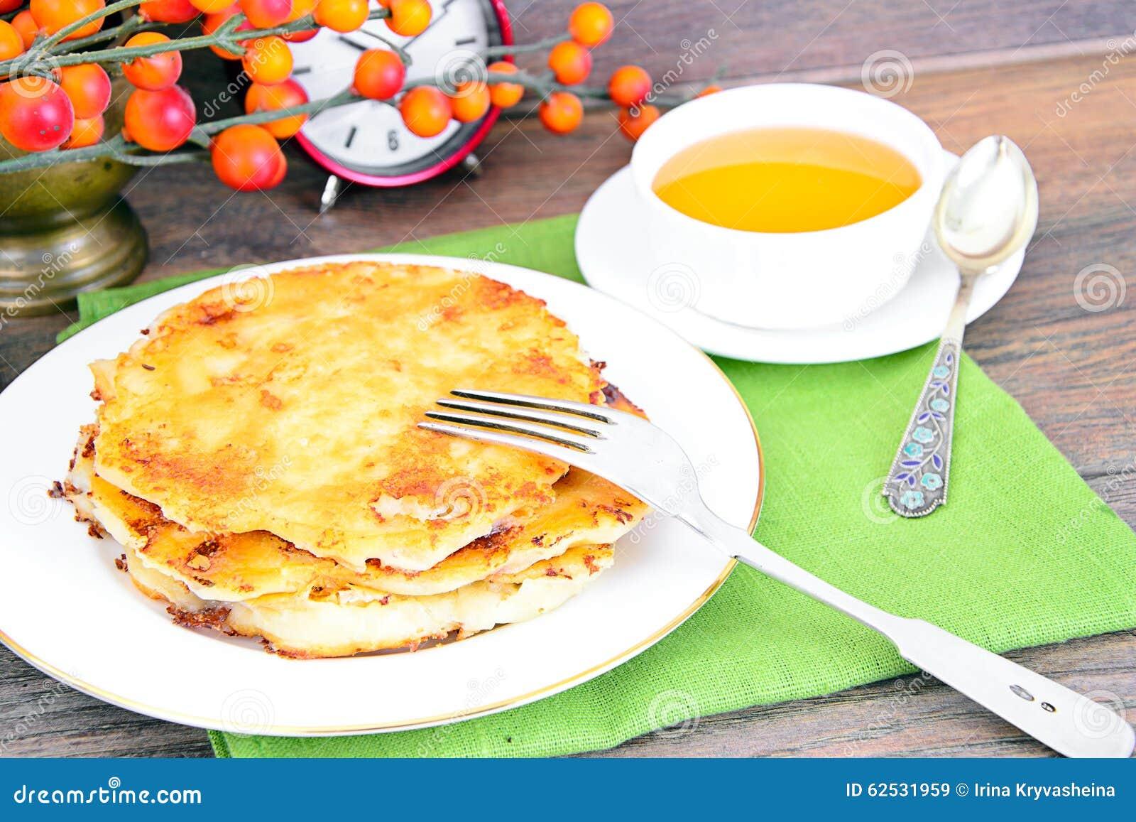 乳酪薄煎饼用蜂蜜