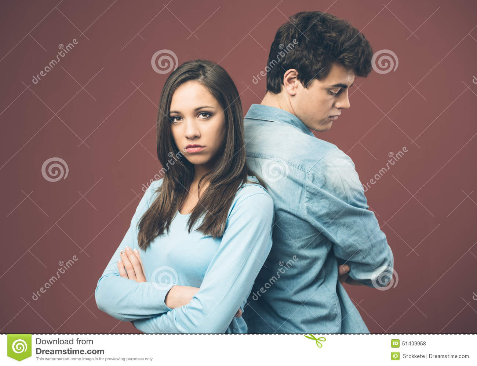 争论夫妇年轻人