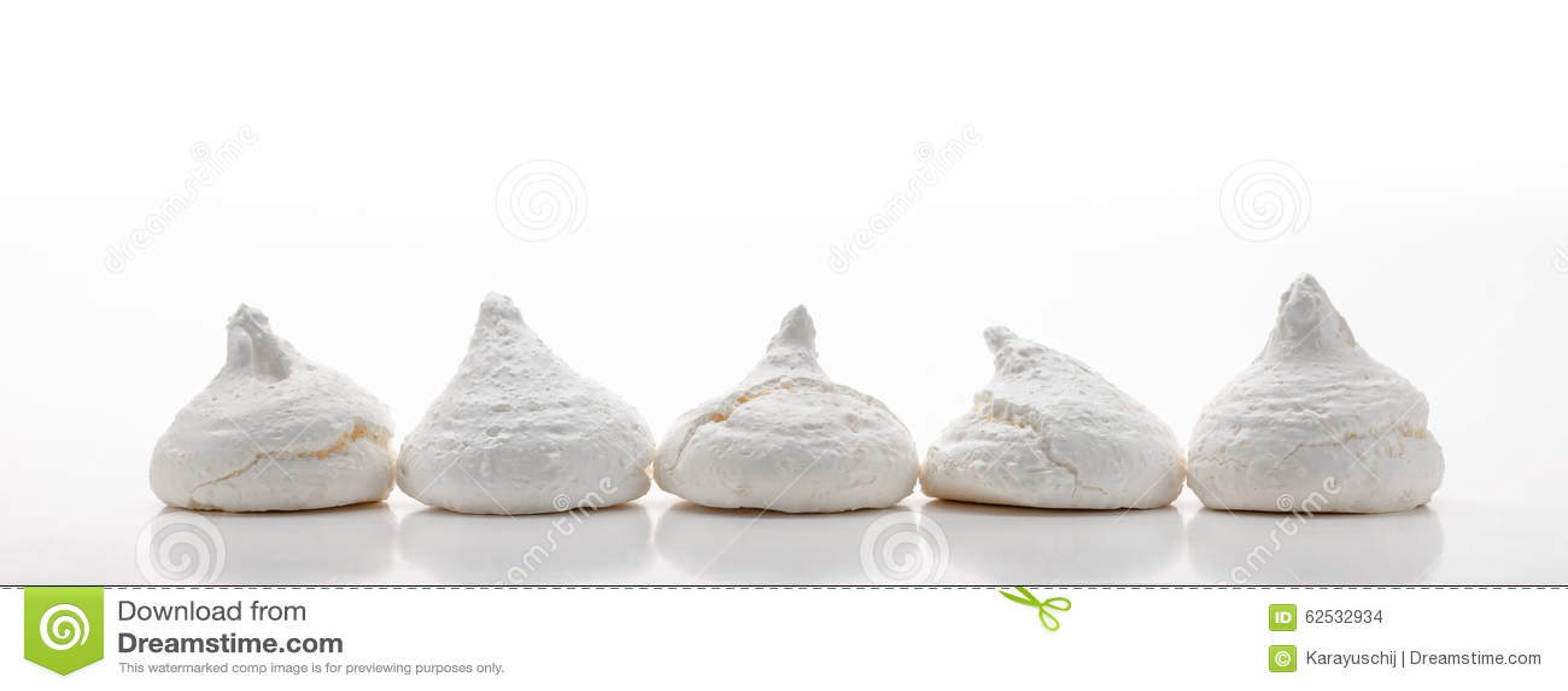 五白色法国蛋白甜饼