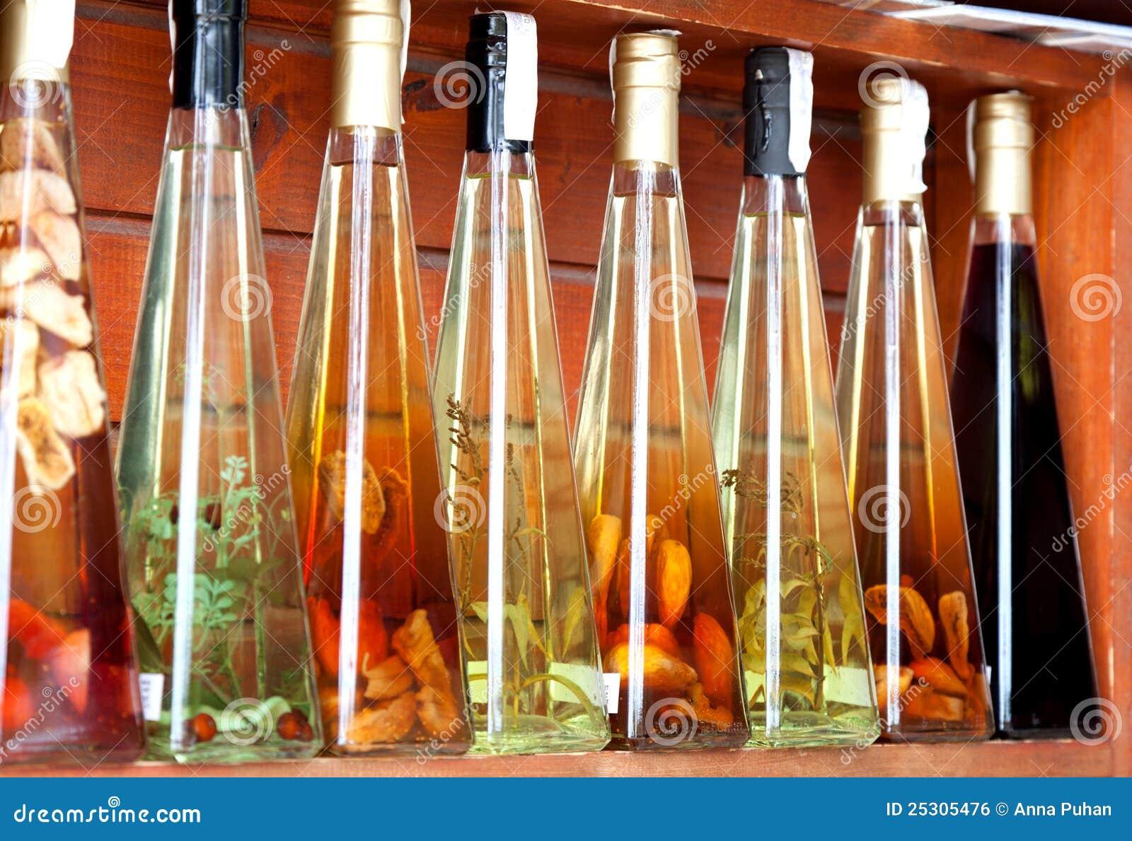 五颜六色的利口酒