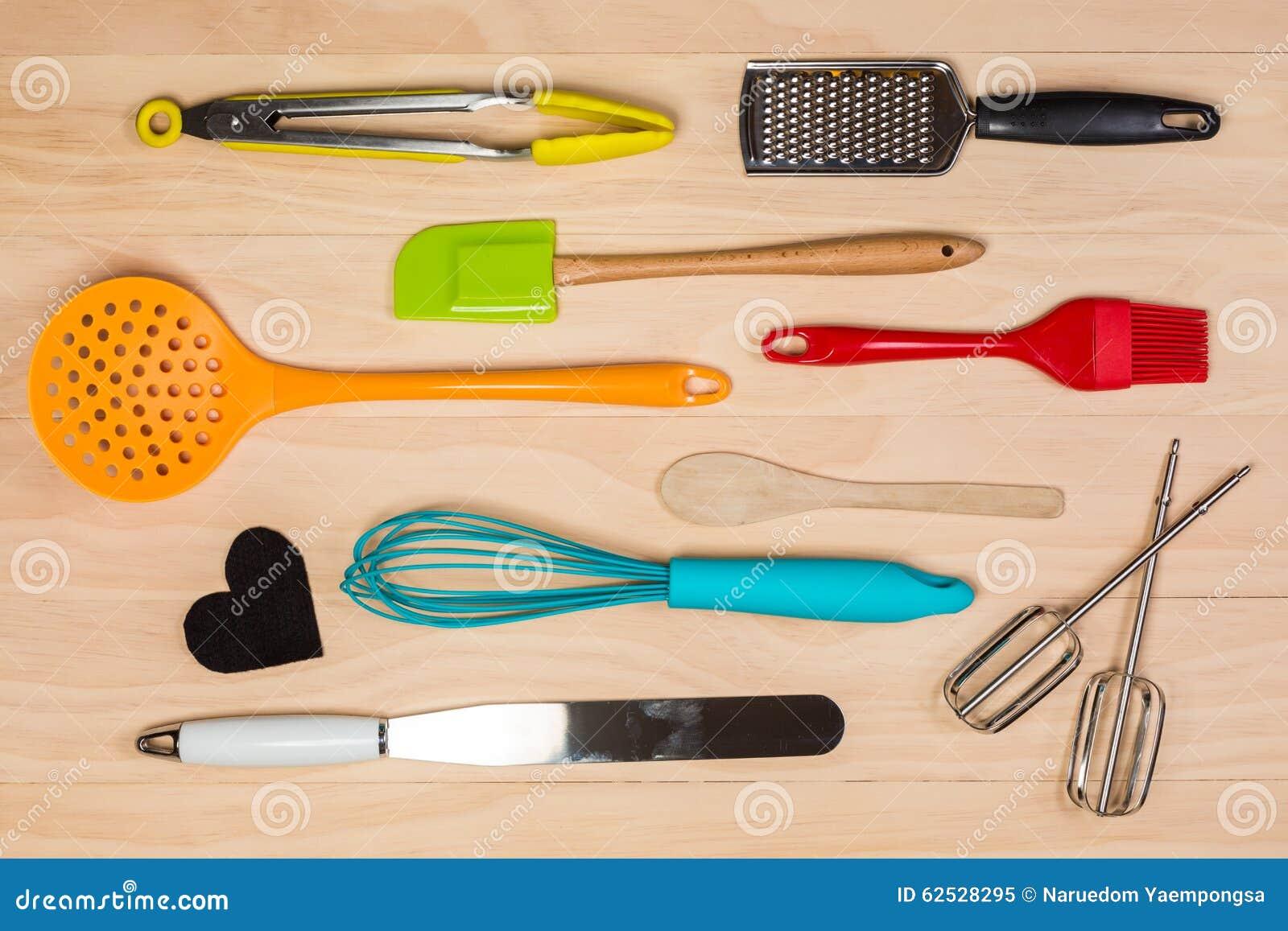 五颜六色的厨房器物