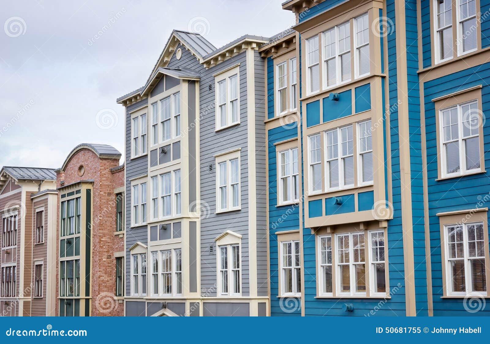 Download 五颜六色的大厦联盟 库存图片. 图片 包括有 结构, 透视图, 顶楼, 办公室, 外部, 人们, 样式, 当代 - 50681755