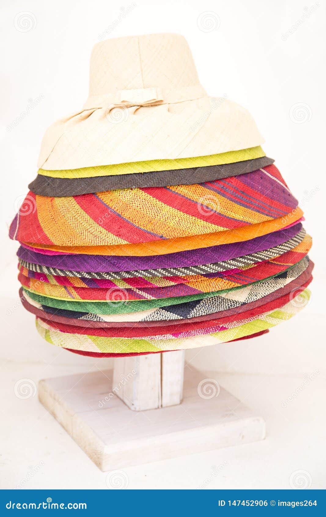 五颜六色的帽子