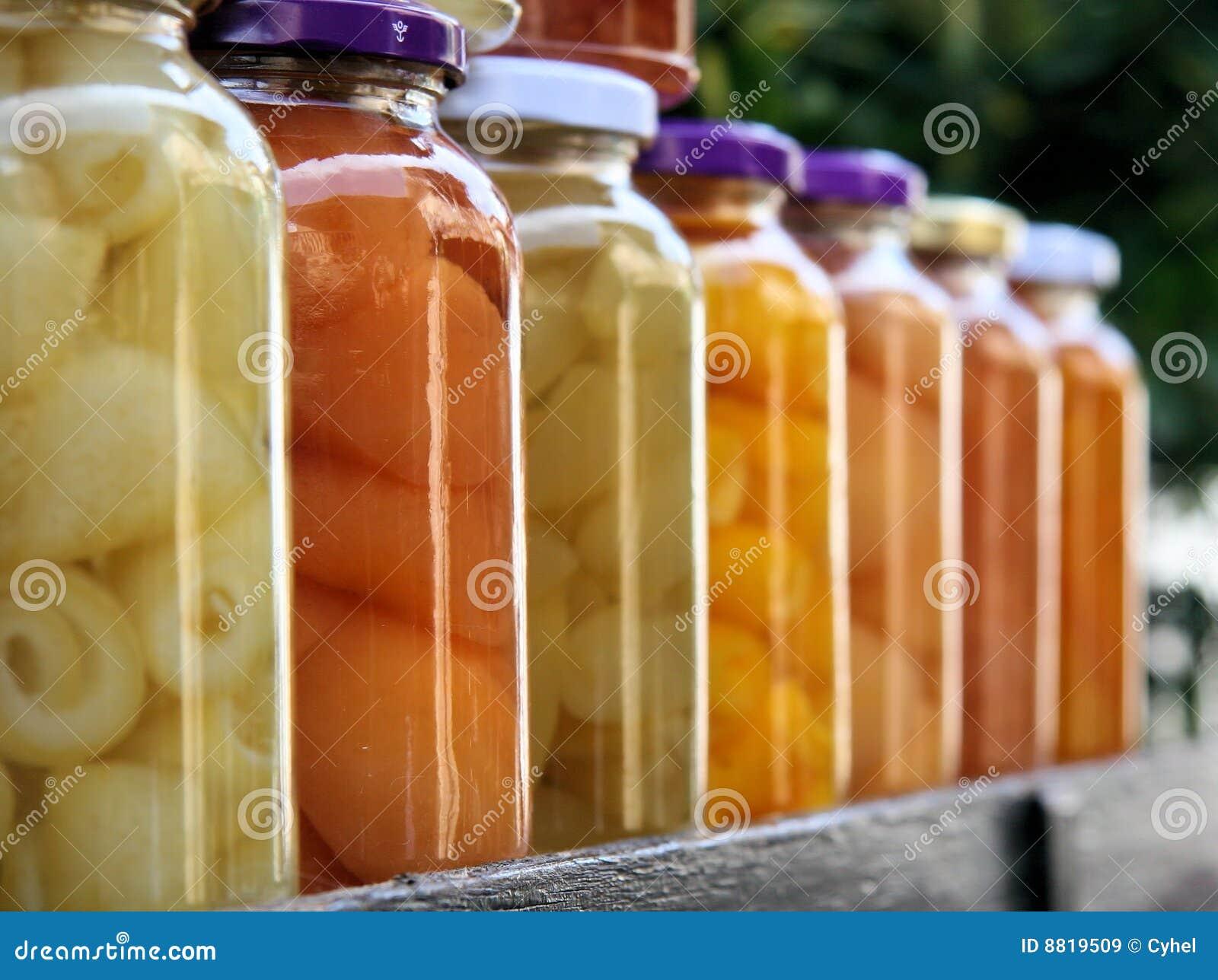 五颜六色的瓶子