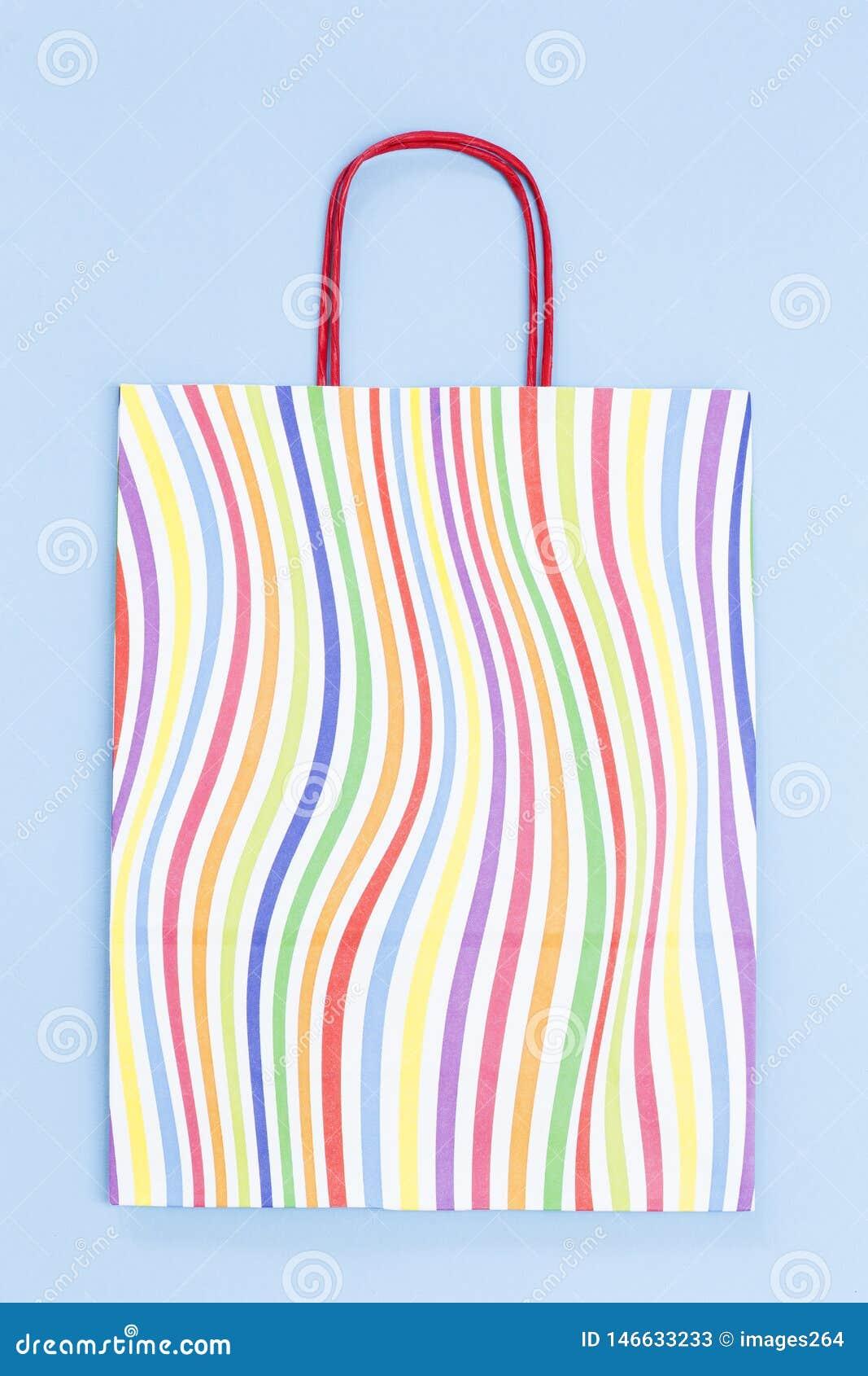 五颜六色的纸袋
