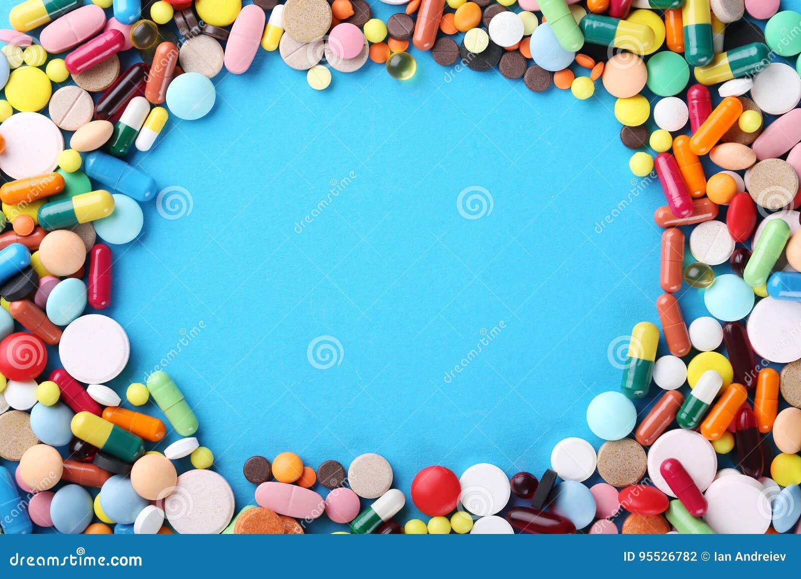 五颜六色的药片