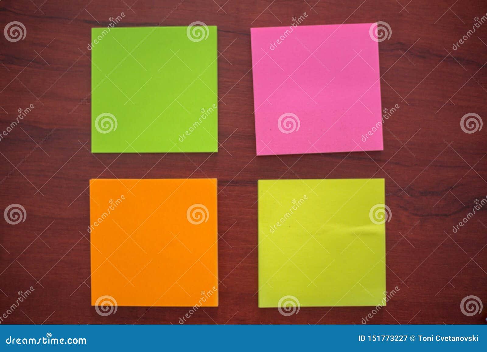 五颜六色的贴纸,