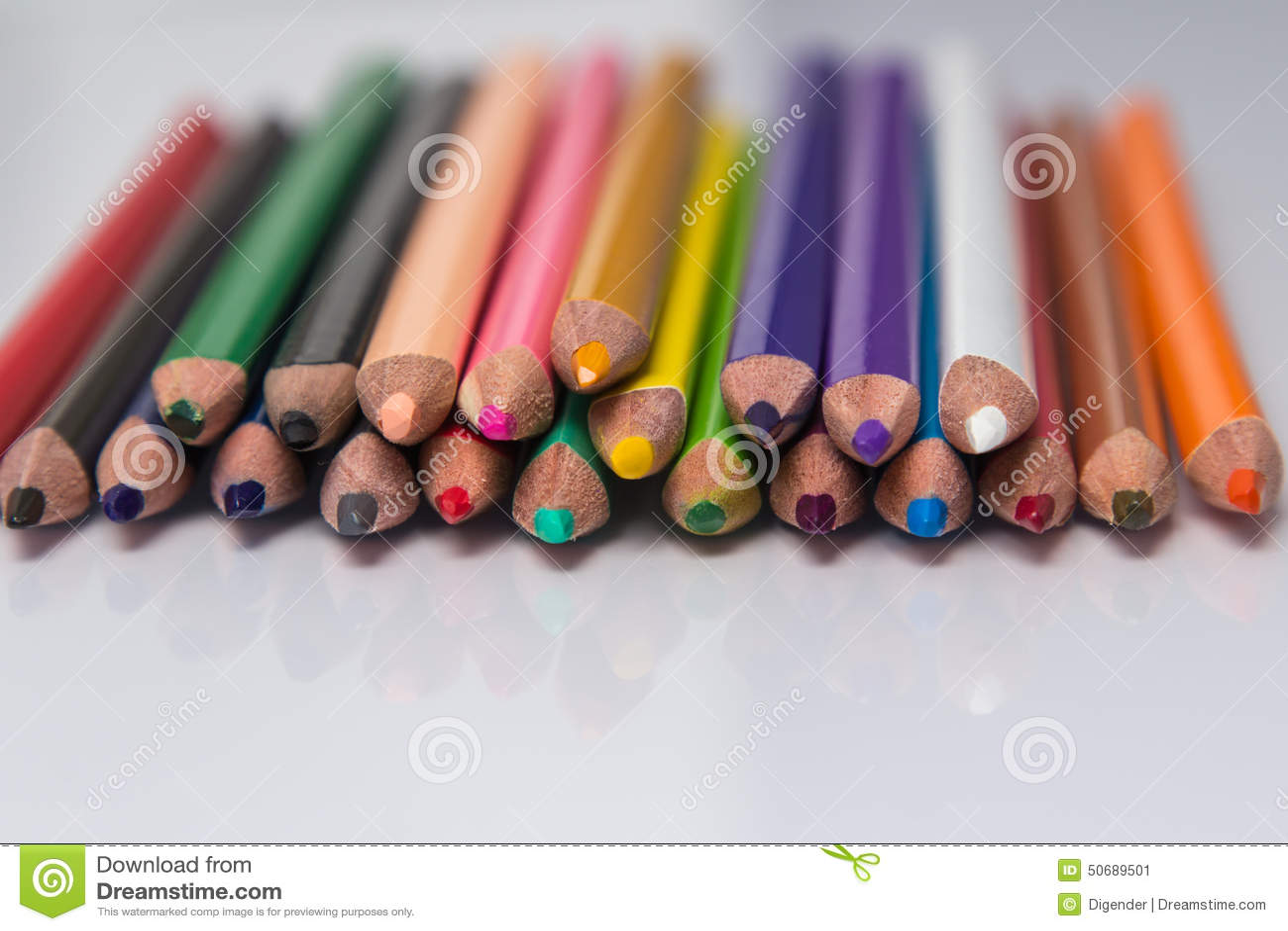 Download 五颜六色的铅笔蜡笔边界 库存图片. 图片 包括有 空白, 教育, 复制, 查出, 特写镜头, 油漆, 文字 - 50689501