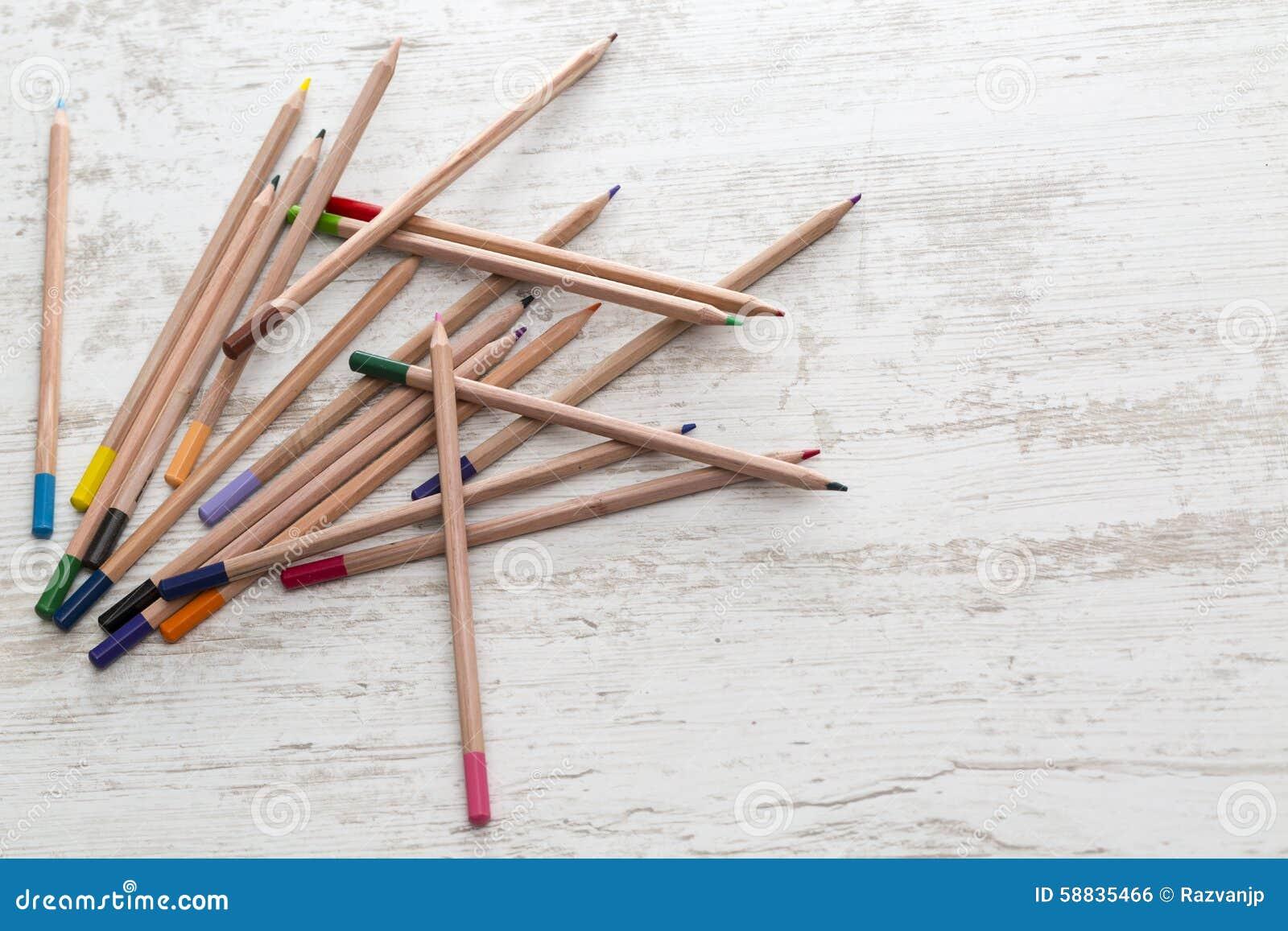 五颜六色许多铅笔