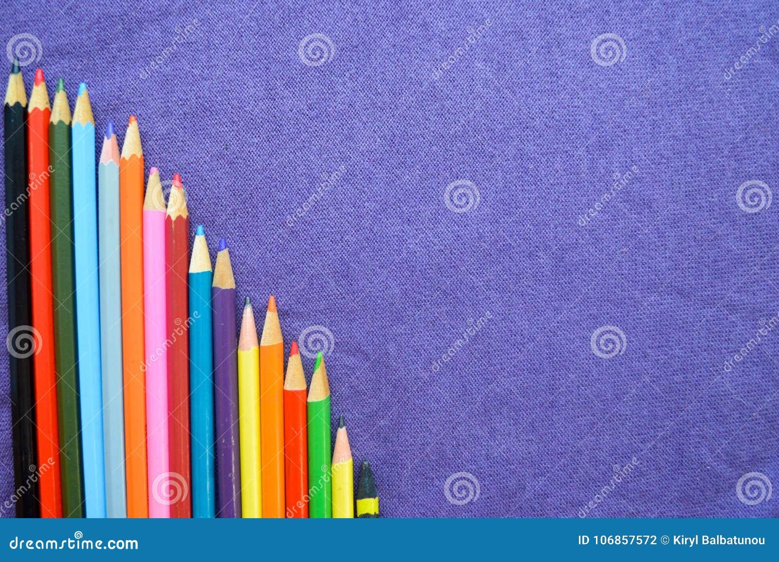 五颜六色,明亮,杂色的图画一张下降的图书写,笔记本