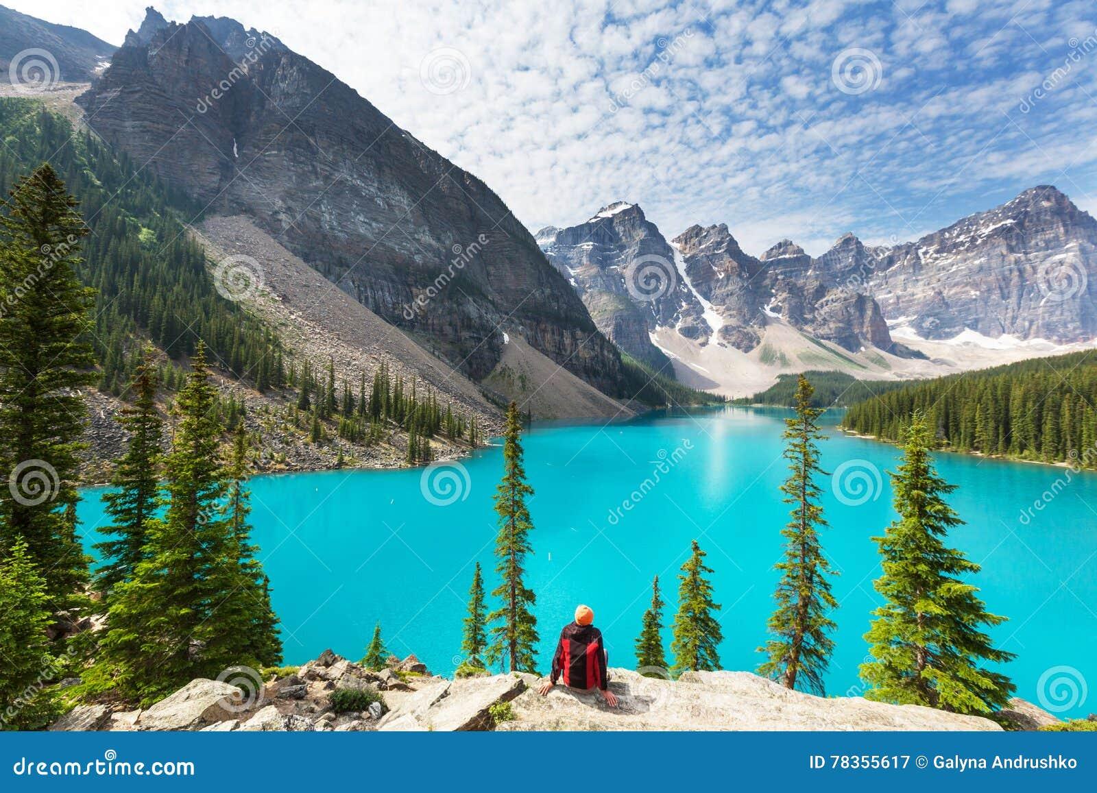 亚伯大banff加拿大湖找出路易丝冰碛国家最近的公园