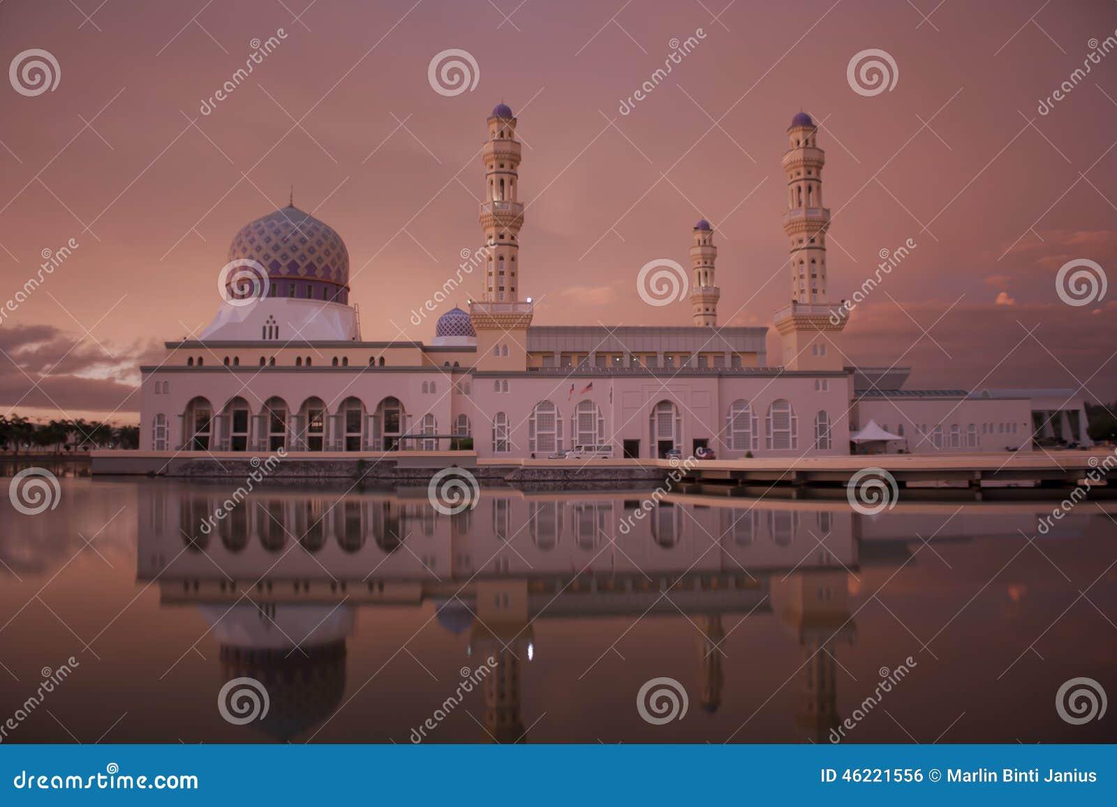 亚庇市清真寺在北婆罗洲沙巴马来西亚
