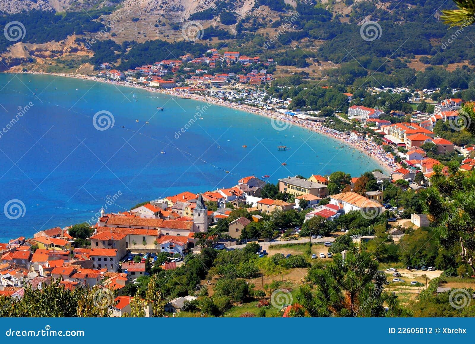 亚得里亚海的空中baska全景城镇