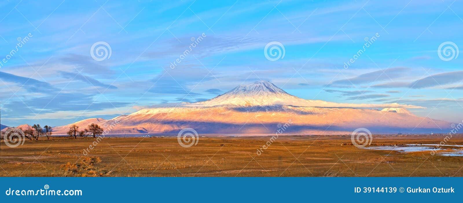 亚拉拉特山