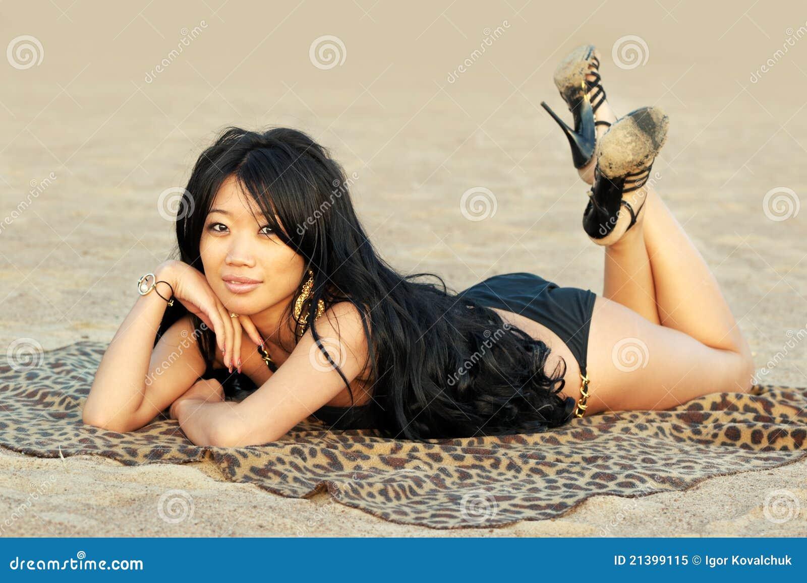 亚裔其它妇女