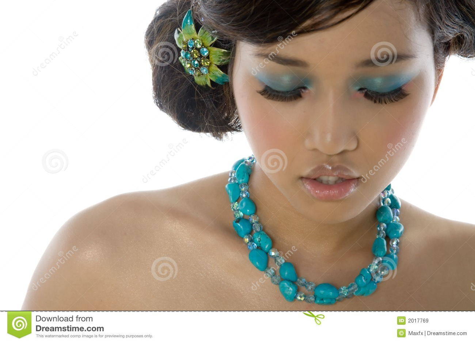 亚裔美丽的性感的妇女