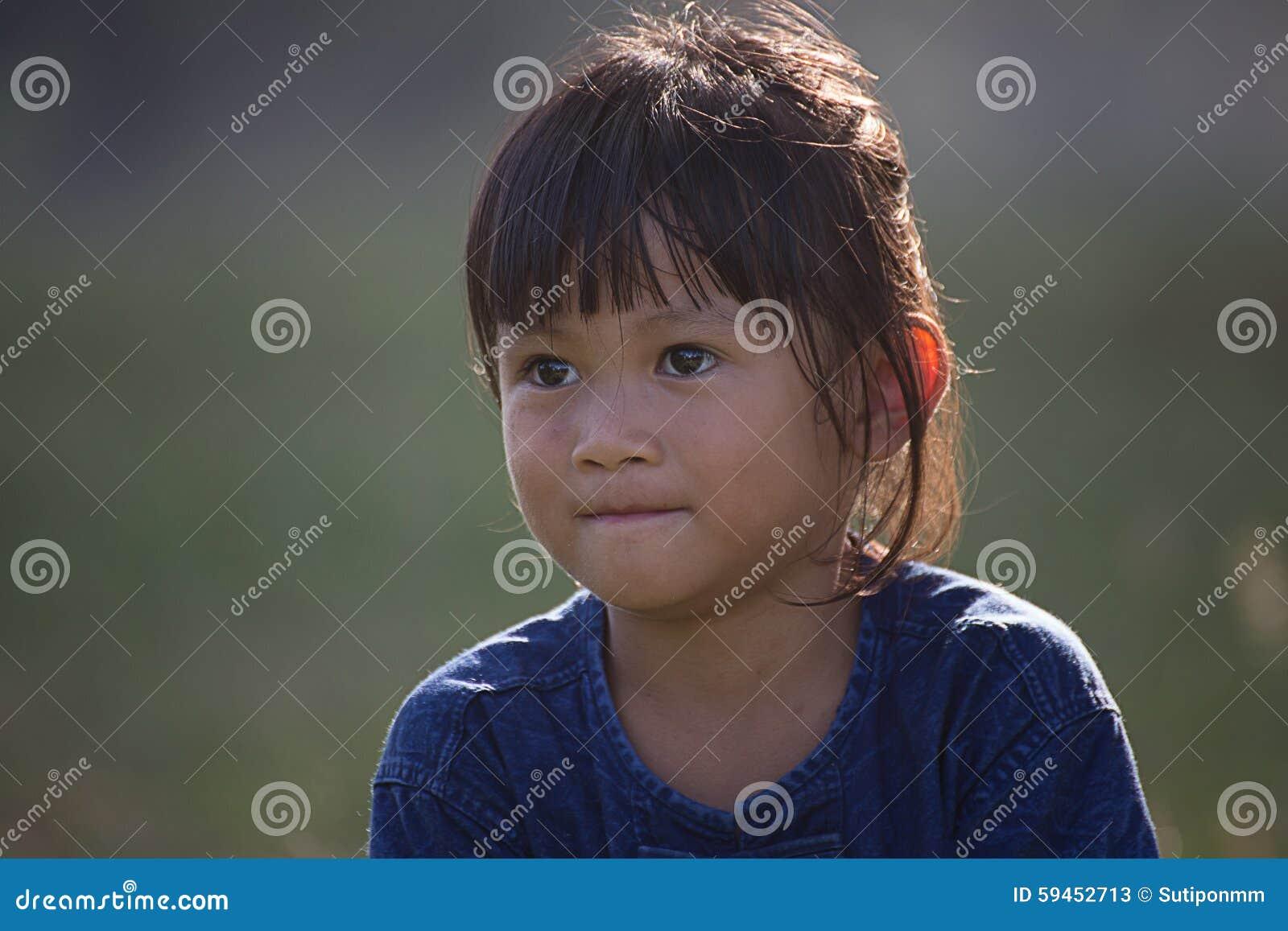 亚洲,相当五岁的自然光的画象