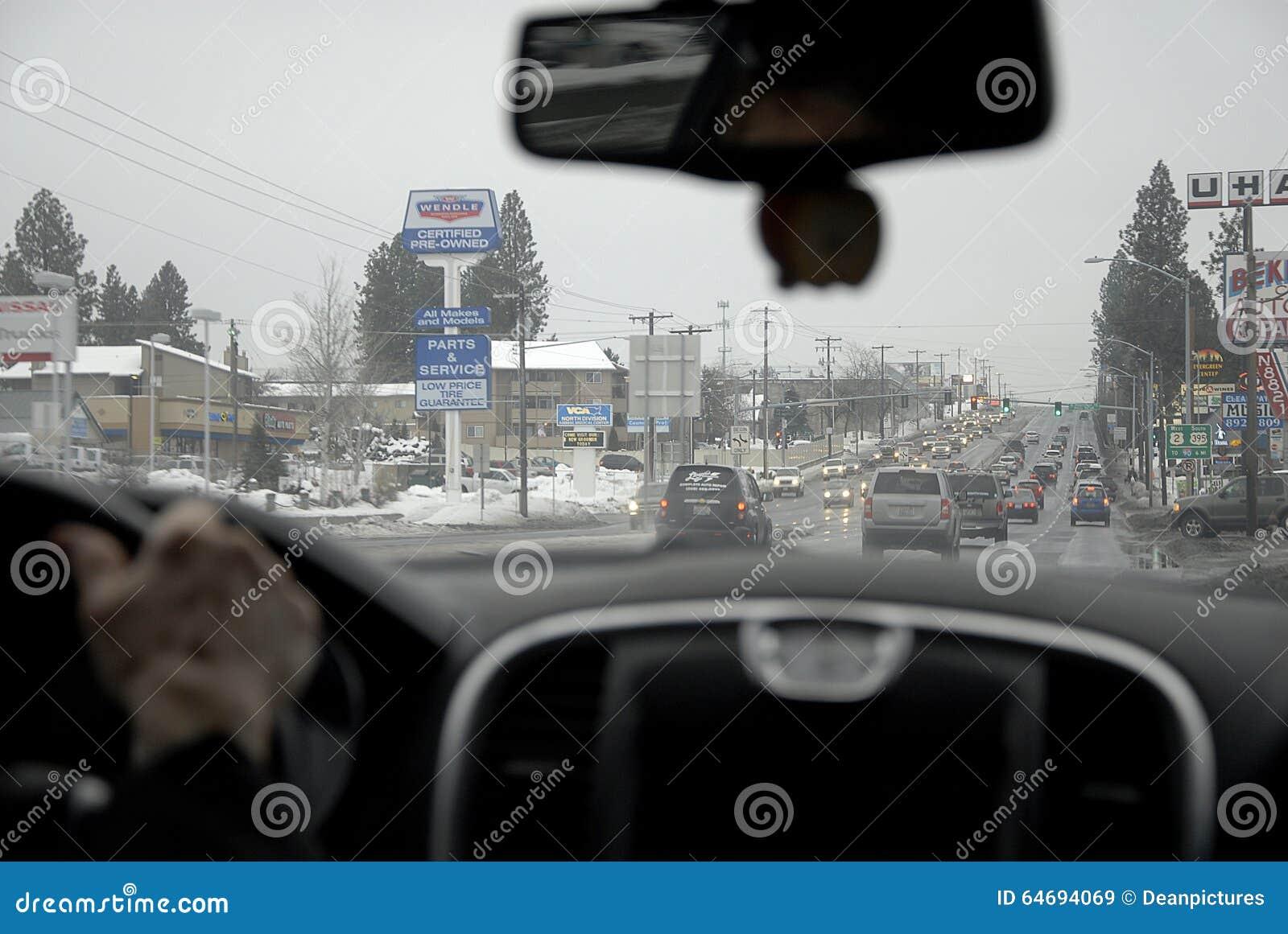 交通和雪在斯波肯