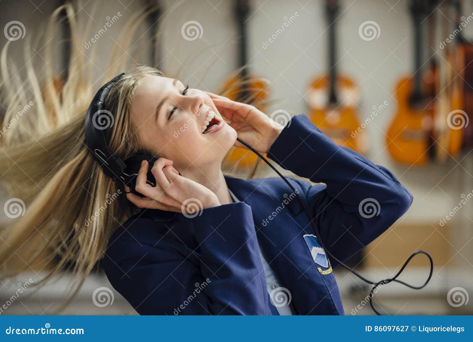 享受音乐在学校